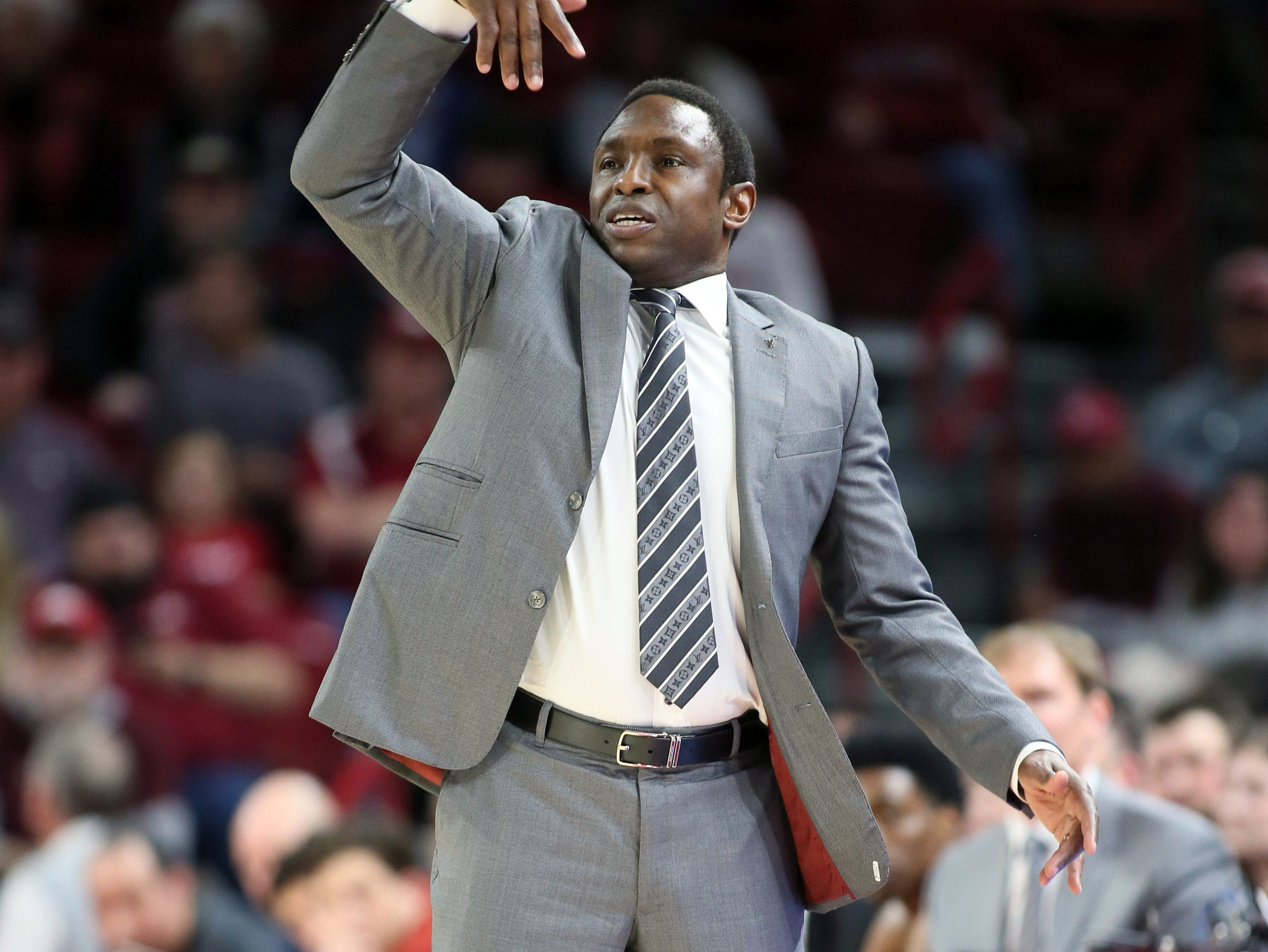 Mar 9, 2019; Fayetteville, AR, USA; Alabama Crimson Tide head coach Avery Johnson motions to his team during the first half agains the Arkansas Razorbacks at Bud Walton Arena. Mandatory Credit: Nelson Chenault-USA TODAY Sports
