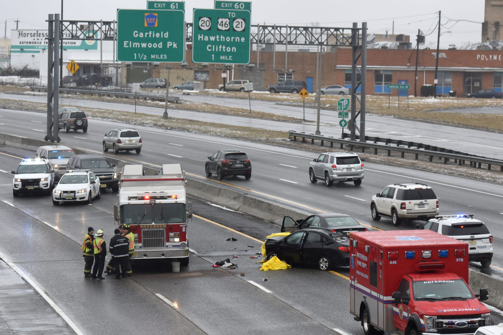 Fatal accident kills two on Rt  80 W in Paterson