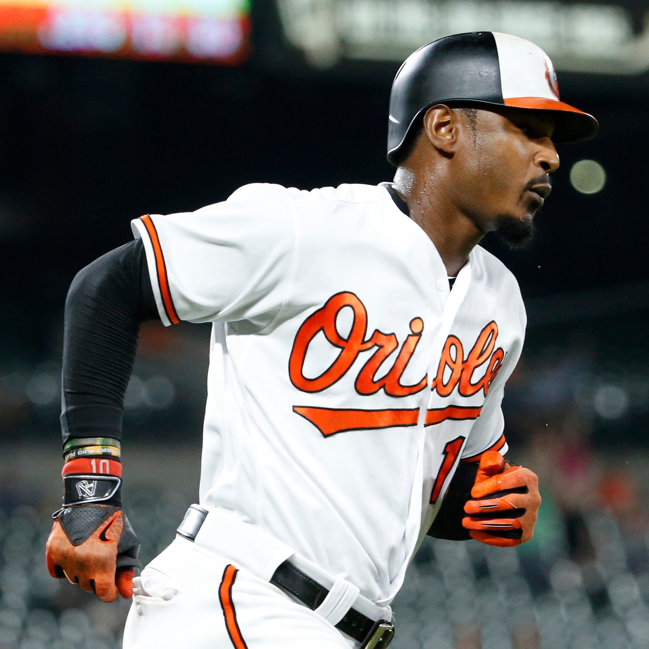 Diamondbacks sign outfielder Adam Jones to one-year deal