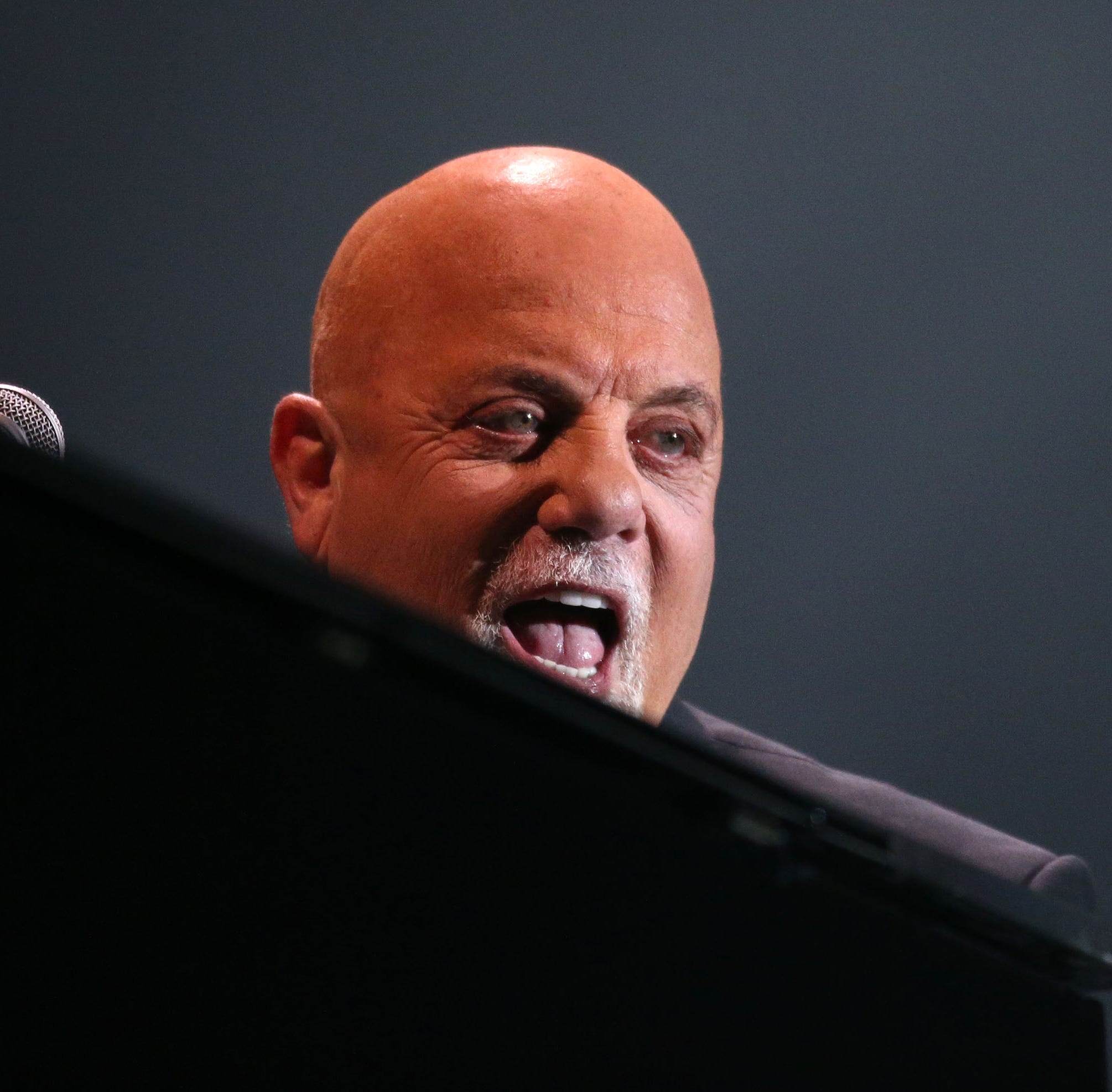 Billy Joel treats largest Valley crowd he's ever faced to a hit-filled night at the ballpark