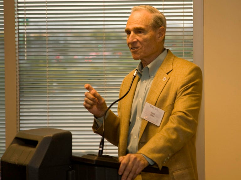 Karl Eller, the former head of Eller Media, Circle K Corp., and Clear Channel, speaks at the Eller College of Management Scottsdale location grand opening event in September 2007.