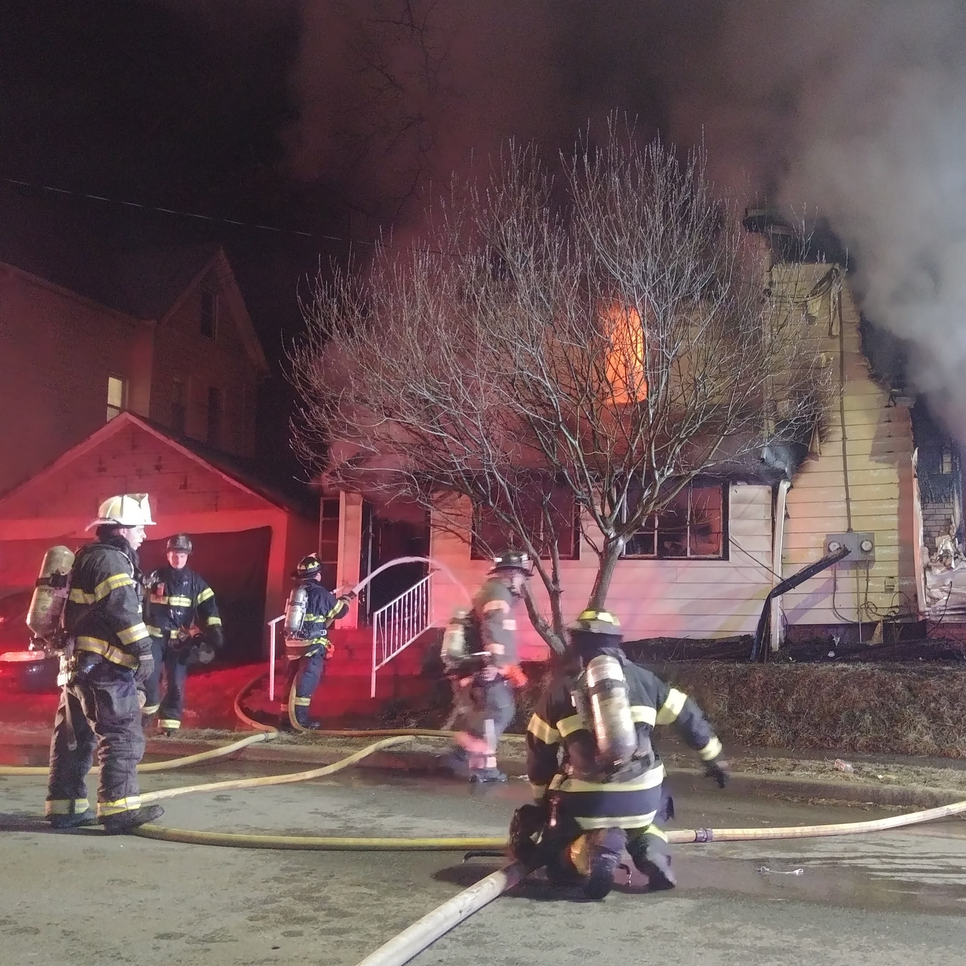 No one injured in massive fire that destroys City of Poughkeepsie vacant building