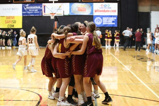 De Smet celebrates after defeating Ethan in the Class B state championship game on Saturday.