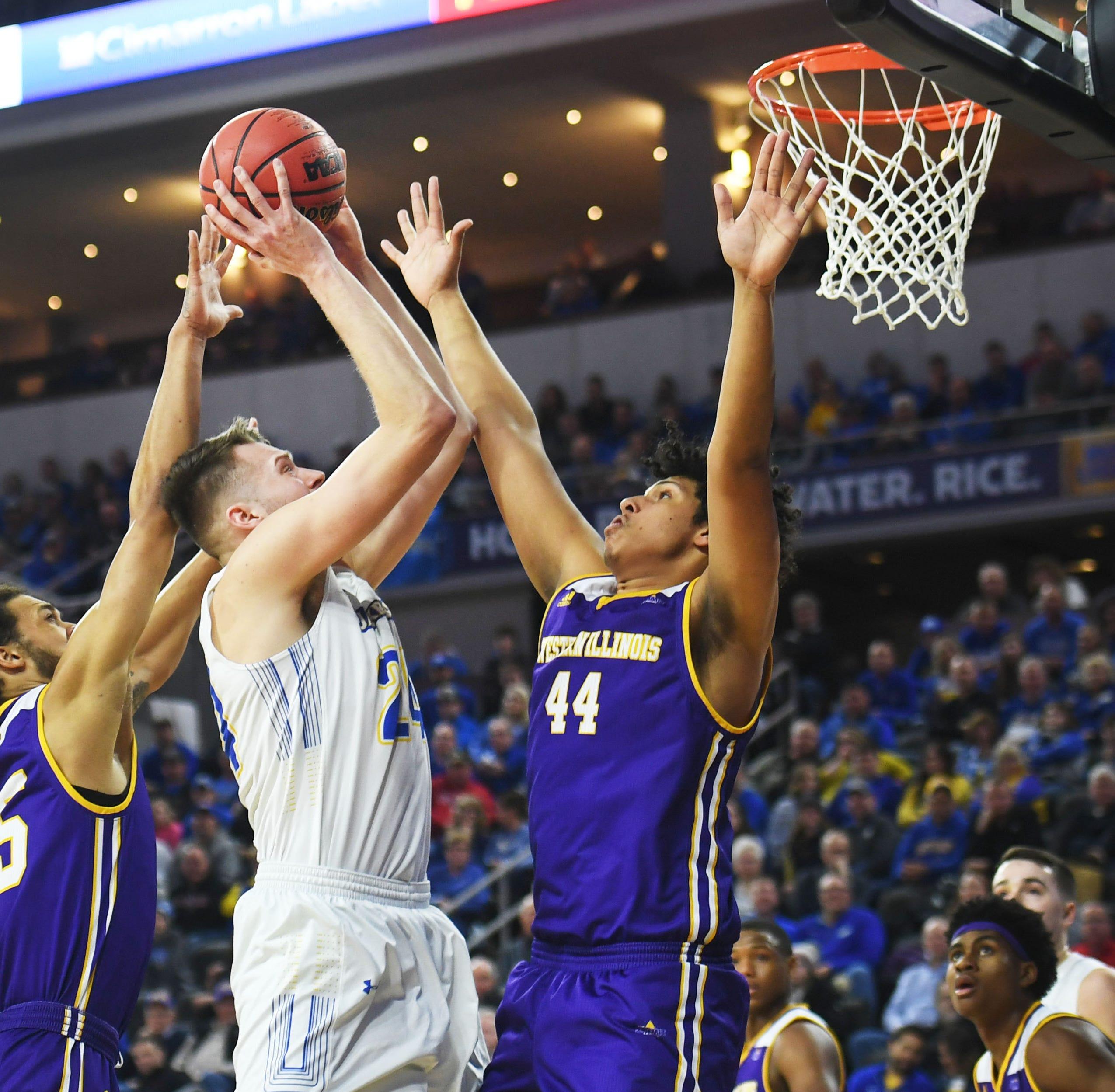 Summit League tournament: Western Illinois shocks No. 1 South Dakota State