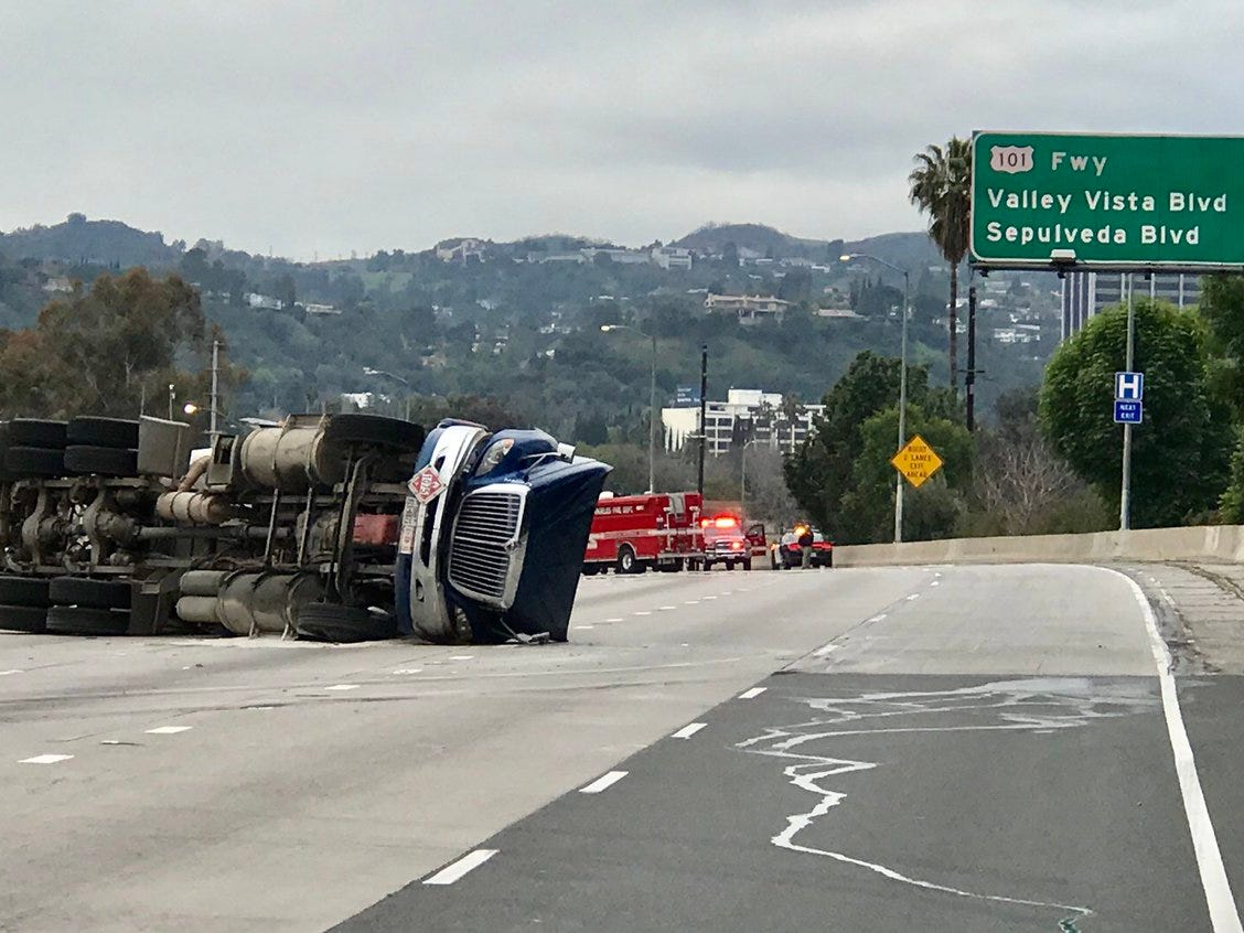 An overturned tanker truck blocked Interstate 405 and Highway 101 Sunday near Sherman Oaks, causing delays that could impact motorists who use Highway 101 between Ventura and Los Angeles counties.