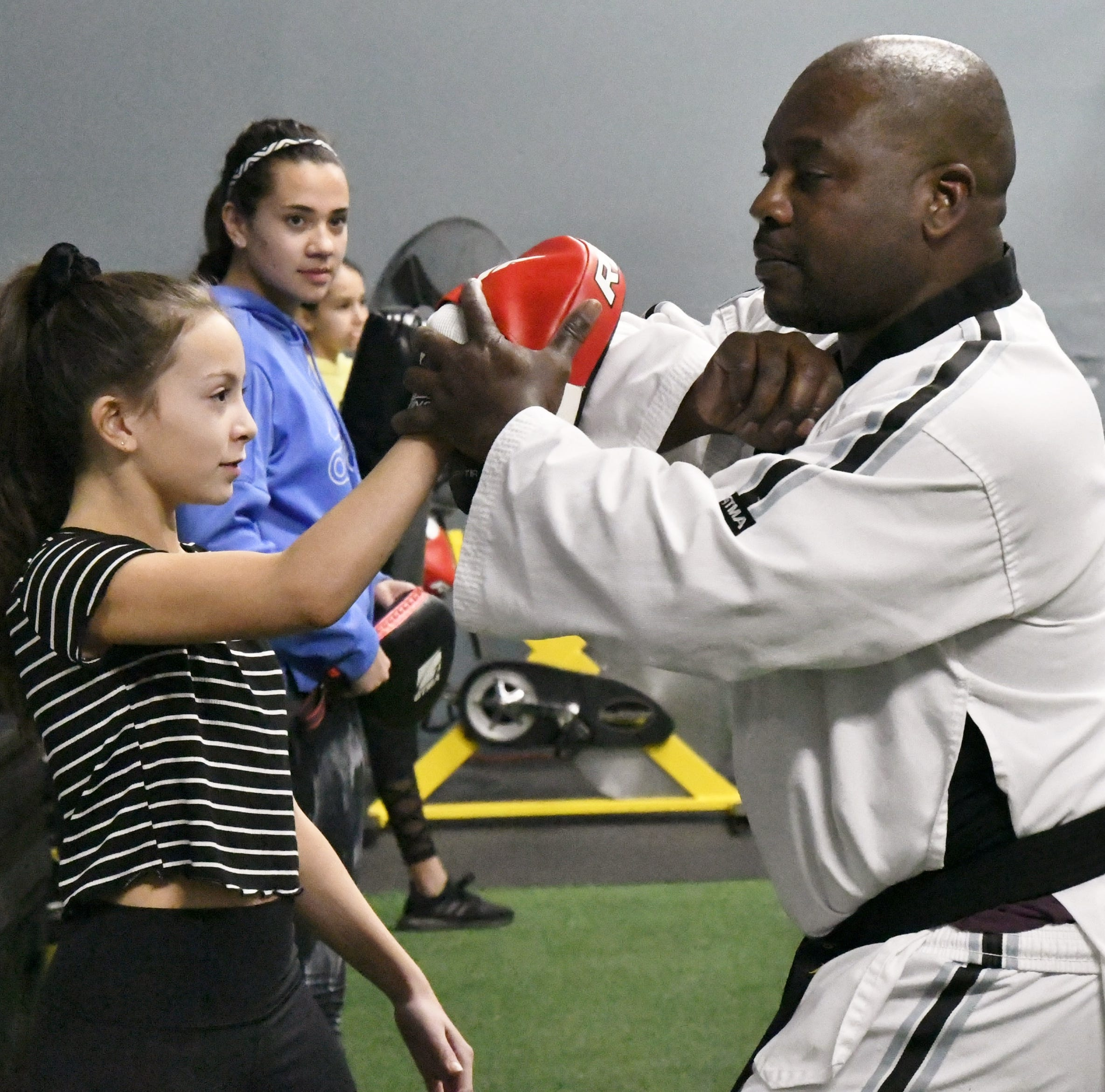 Dads and daughters self-defense course a knockout