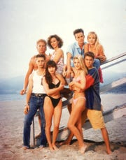 "The original cast of ""Beverly Hills 90210""."