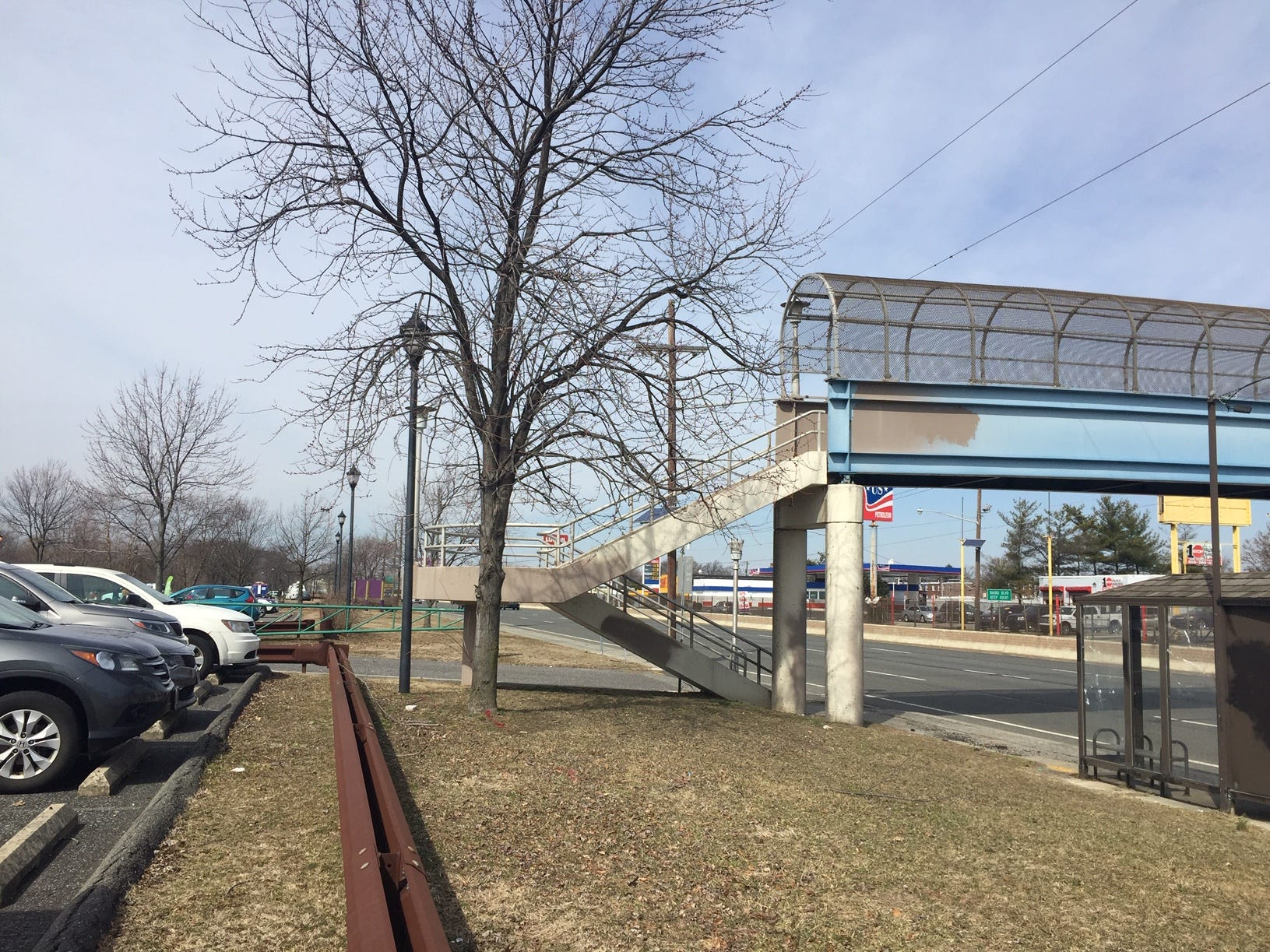 A pedestrian walkway provides access  over Admiral Boulevard into Gateway Park on the border of Pennsauken and Camden. Baird Boulevard also allows  access