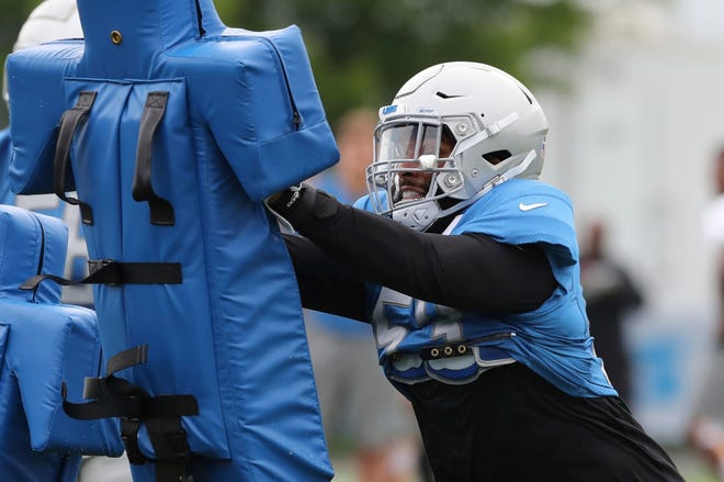 The Lions released linebacker Trevor Bates on Monday, less than a weekafter he was arraigned on five charges stemming from a January incident where he allegedly struck a police officer.