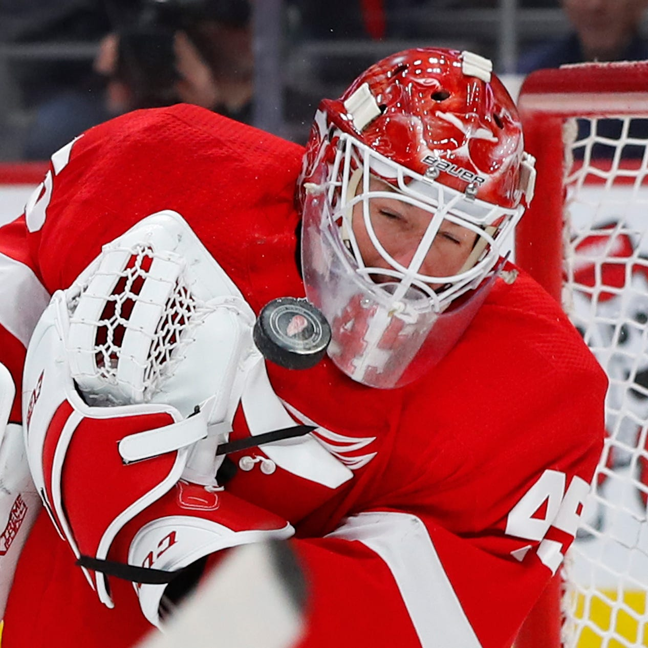 Red Wings' Bernier attempting to battle through a disappointing season