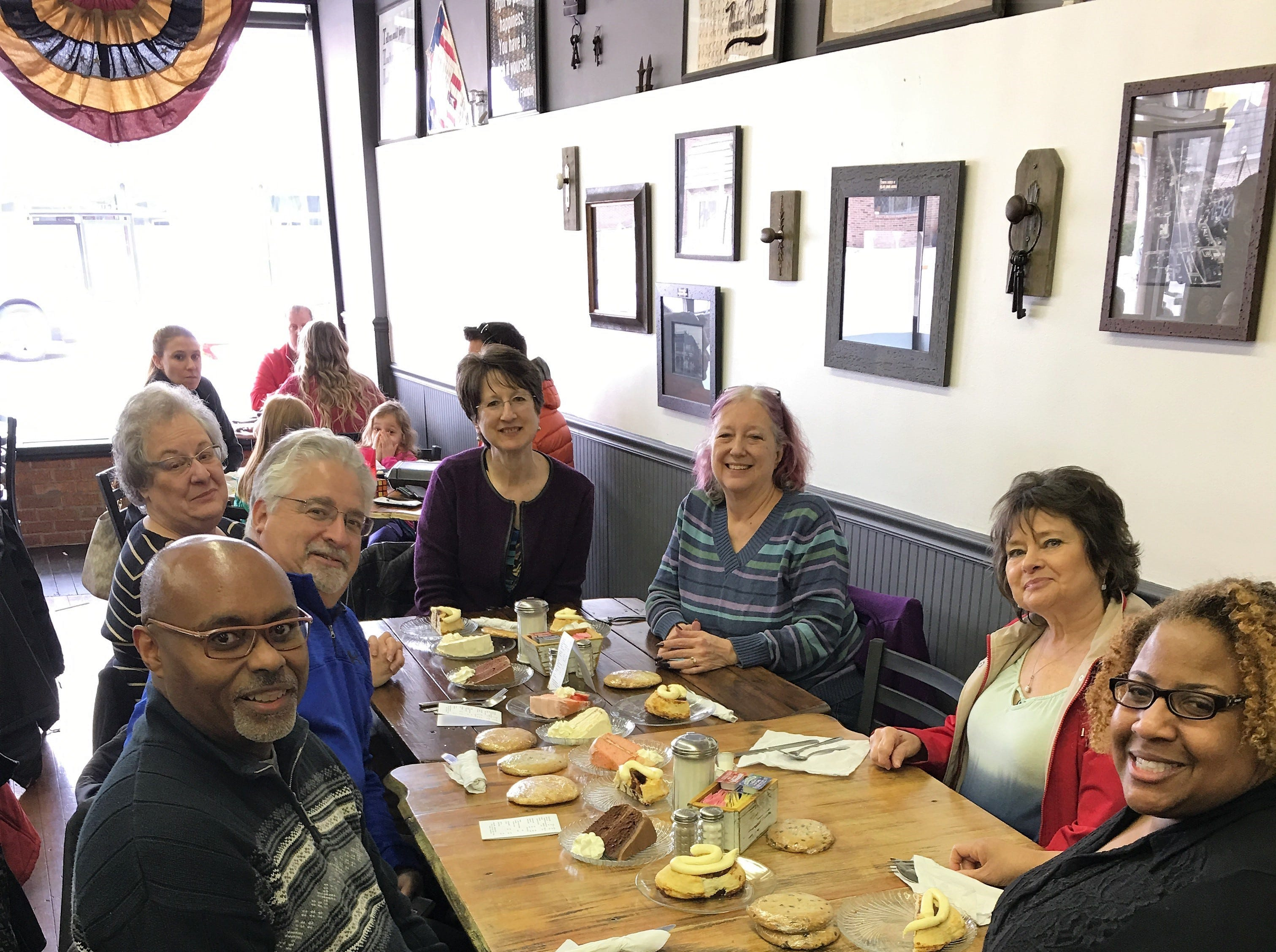An Evansville Culinary Tours group enjoying Kite and Key desserts.