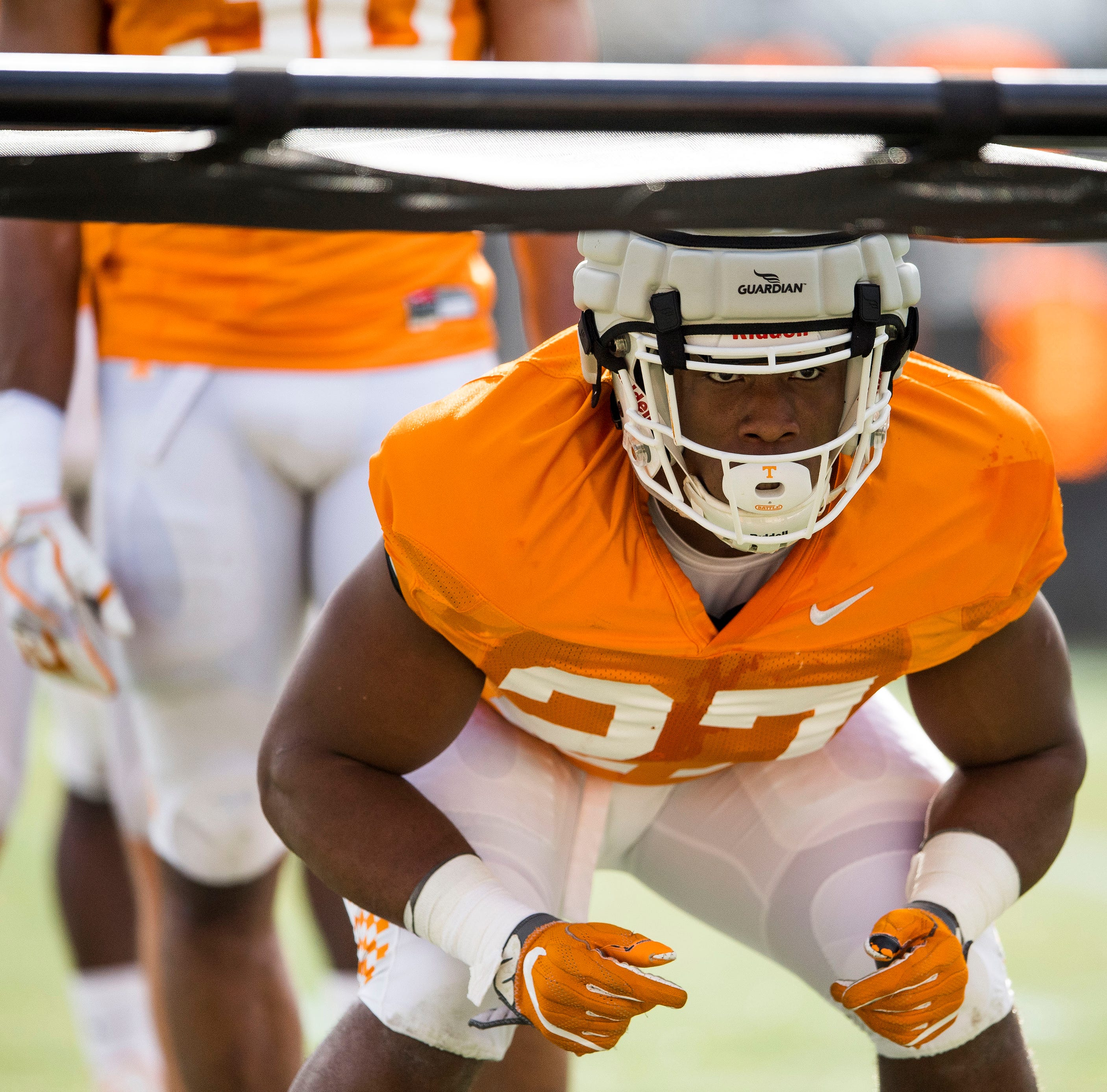 If freshmen come through, Tennessee football could have top linebacker unit in SEC East