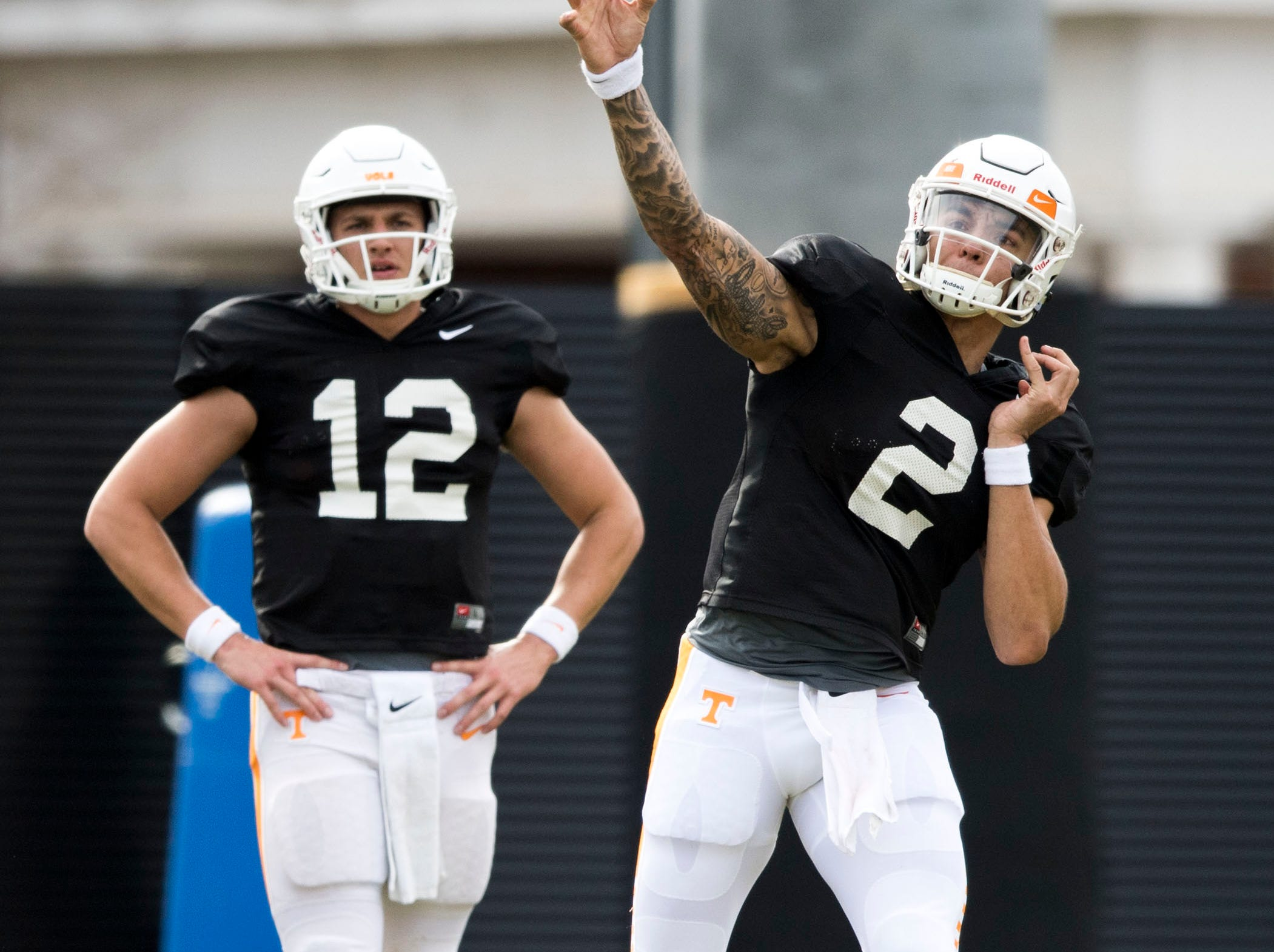 Tennessee quarterback Jarrett Guarantano (2) throws the ball during Tennessee's afternoon football practice on Monday, March 11, 2019.