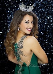 Miss Harbor Cities Serena Larie