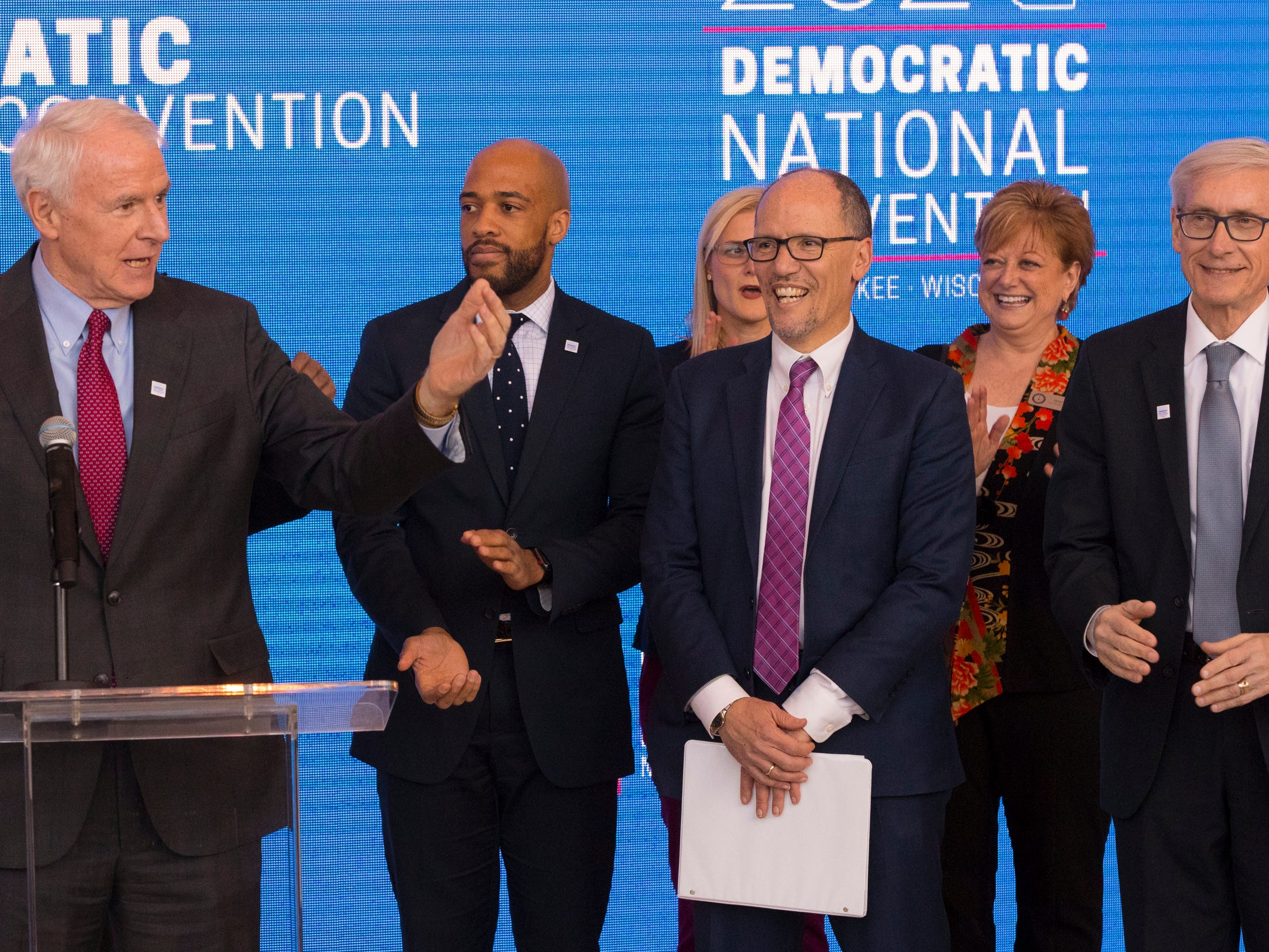 More than 4,200 people sign up to volunteer for 2020 DNC in Milwaukee