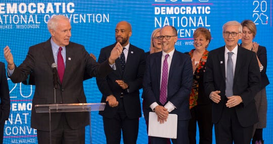 Milwaukee Mayor Tom Barrett (left) has said 12,000 volunteers will be needed for the 2020 Democratic National Convention.
