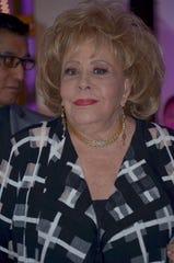 Silvia Pinal se recupera de problemas respiratorios.