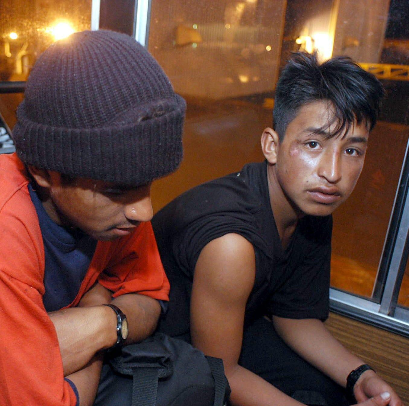 Más de 2,000 inmigrantes aislados por enfermedades en centros de detención
