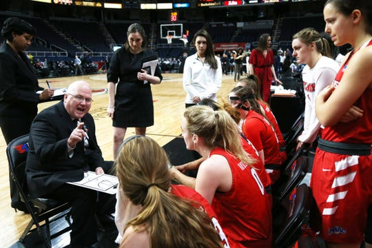 Marist coach Brian Giorgis instructs his team during the 2019 MAAC final against Quinnipiac.