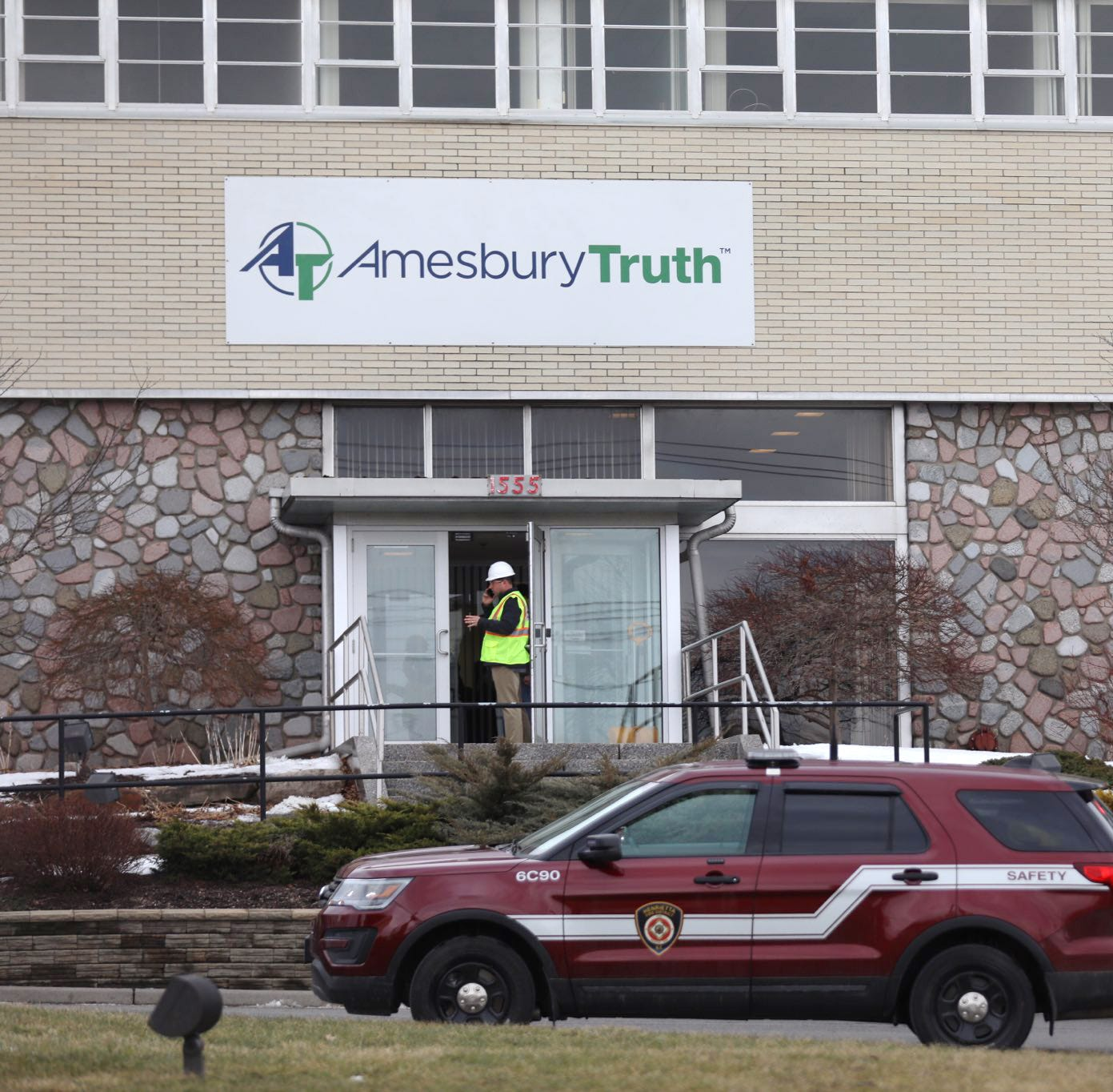 2 remain in ICU after chemical spill inside Henrietta building