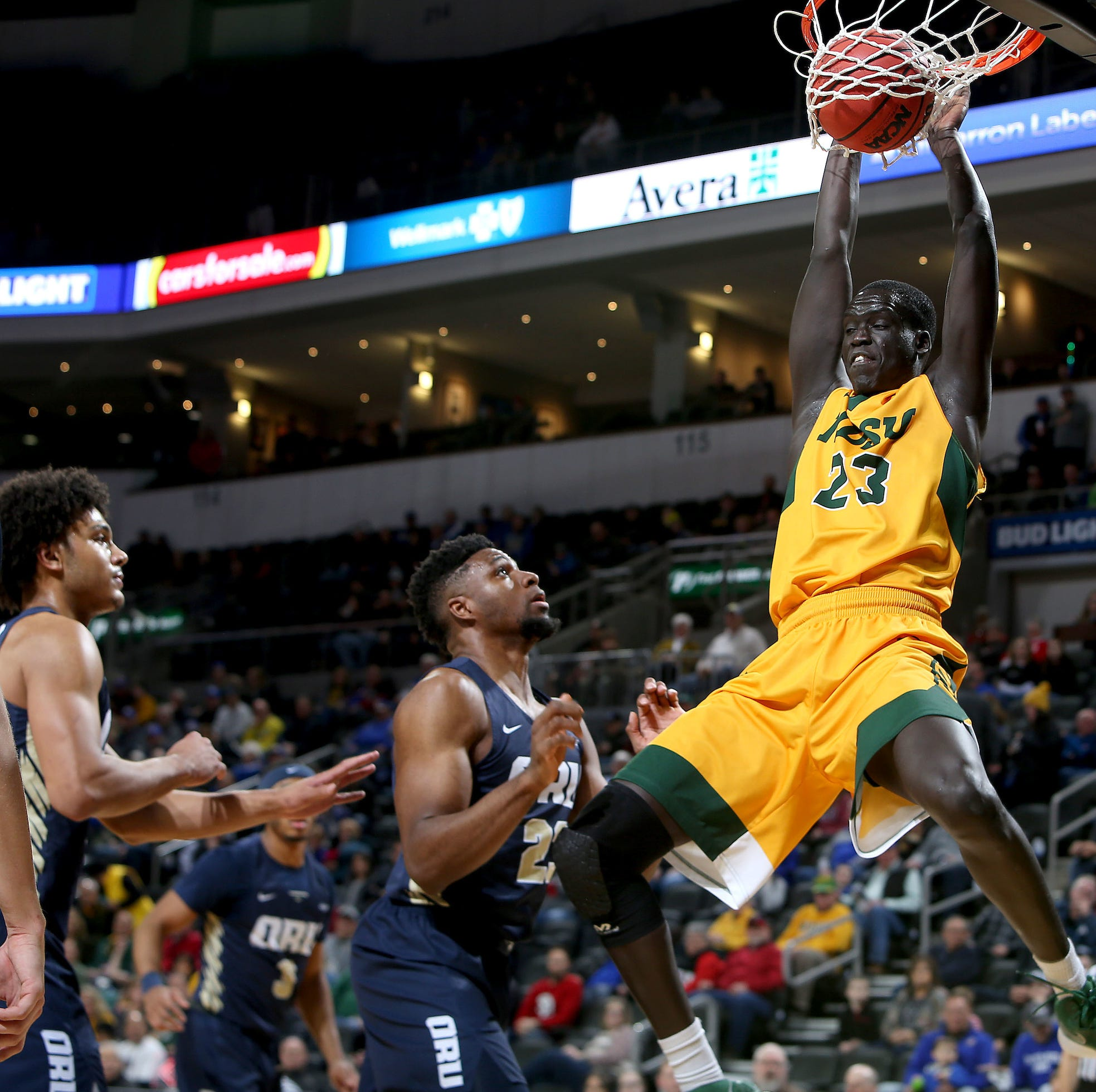 Washington High alum Deng Geu set to transfer from NDSU