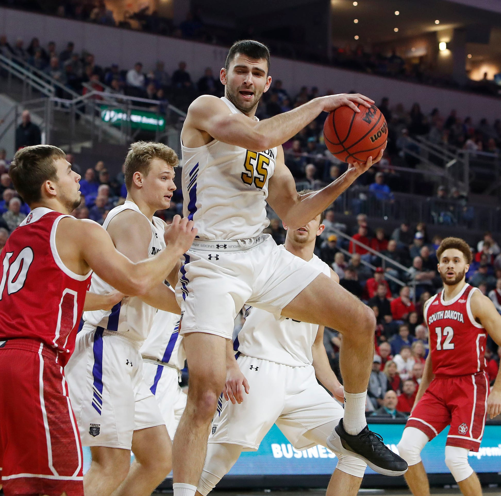 Purdue Fort Wayne brings South Dakota's season to crashing halt in Summit League quarterfinals