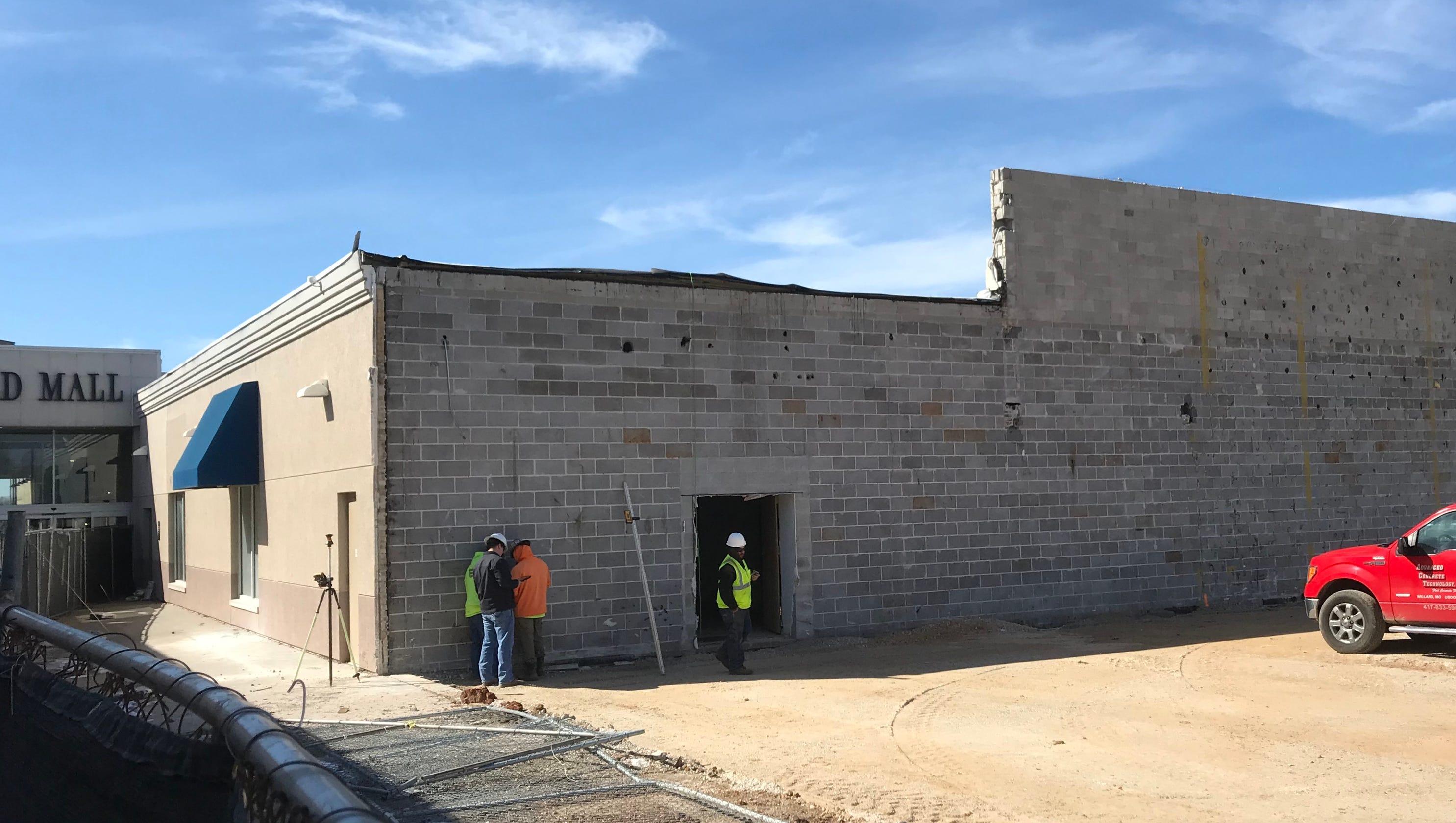 1dbd7c59aff Answer Man  What s being built at Battlefield Mall near Dillard s