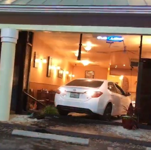 Car crashes into restaurant in Port St. Lucie