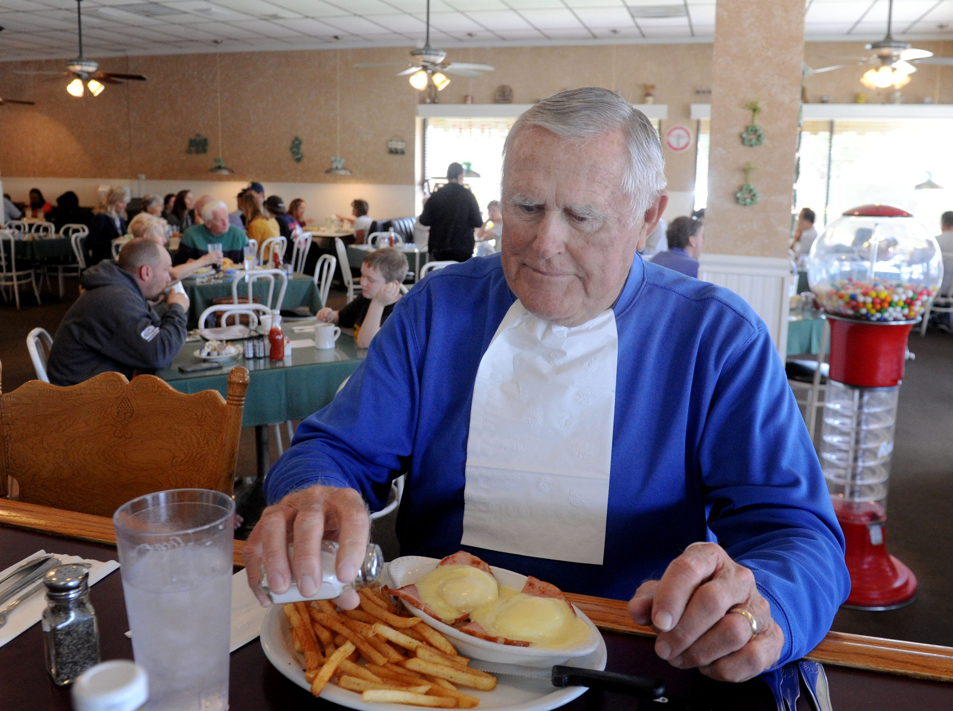 Chuck Croll prepares to eat his eggs Benedict at Jessica's Cafe. The place is pleasant and bustling spot in Camarillo.