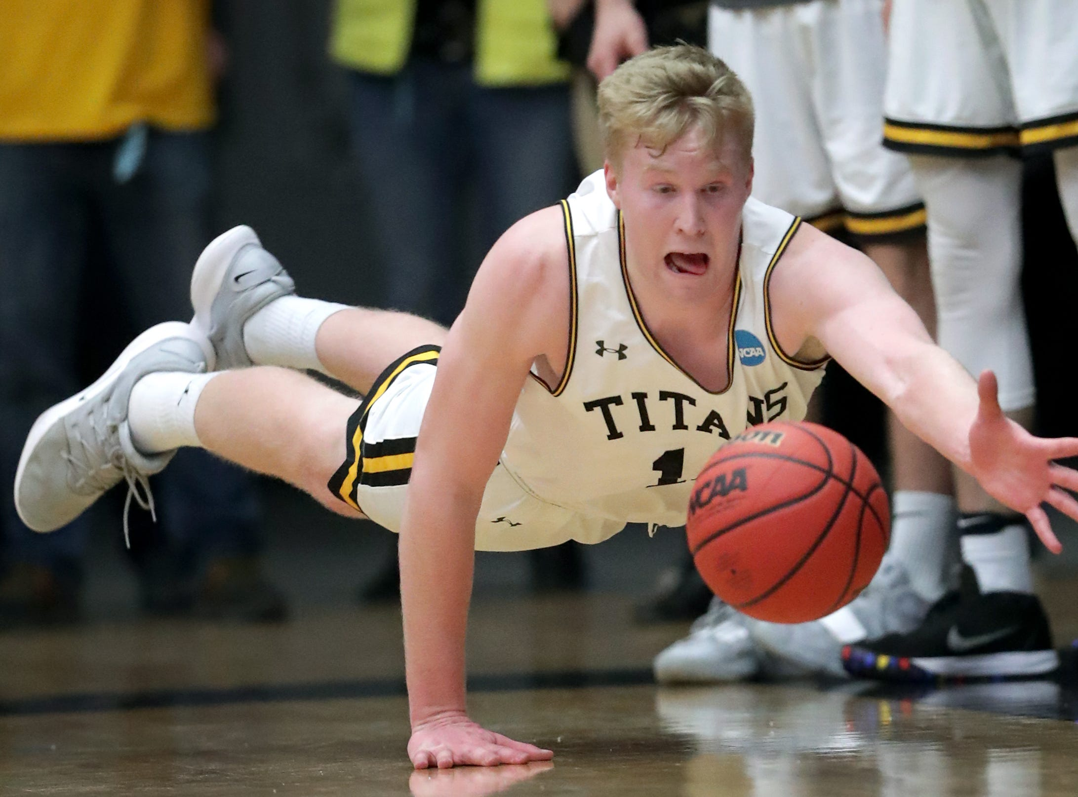 University of Wisconsin-Oshkosh's #14 Tommy Borta against Loras College-Iowa during their NCAA DIII  Basketball Championship sectional game on Friday, March 8, 2019, at the Kolf Sports Center in Oshkosh, Wis. Oshkosh defeated Loras 86 to 75.Wm. Glasheen/USA TODAY NETWORK-Wisconsin.