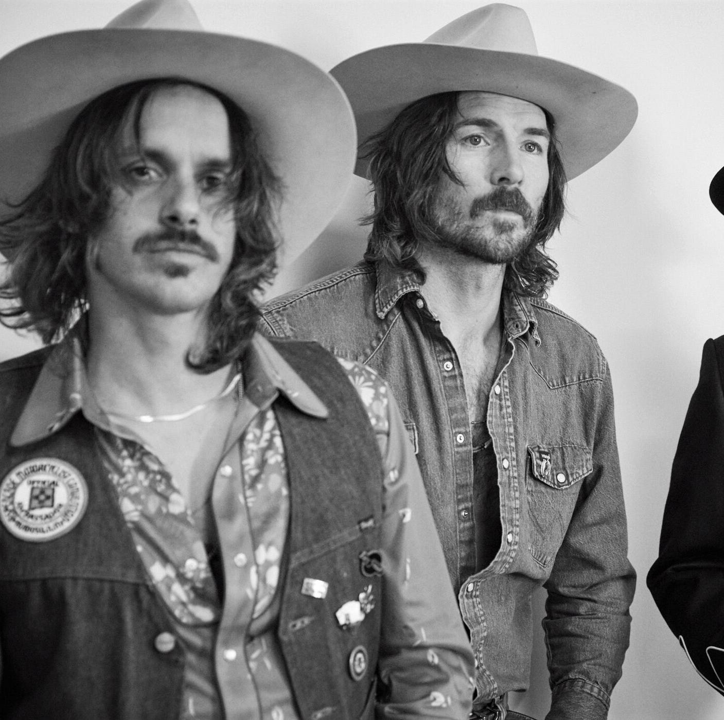 Country trio Midland tryin' not to a have stardom problem