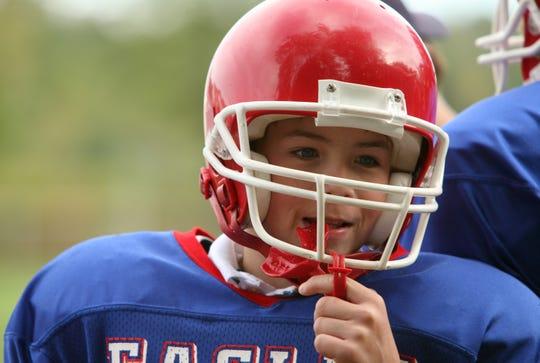 To keep children's eyes safe during sports, practice regularly wearing eye guards.