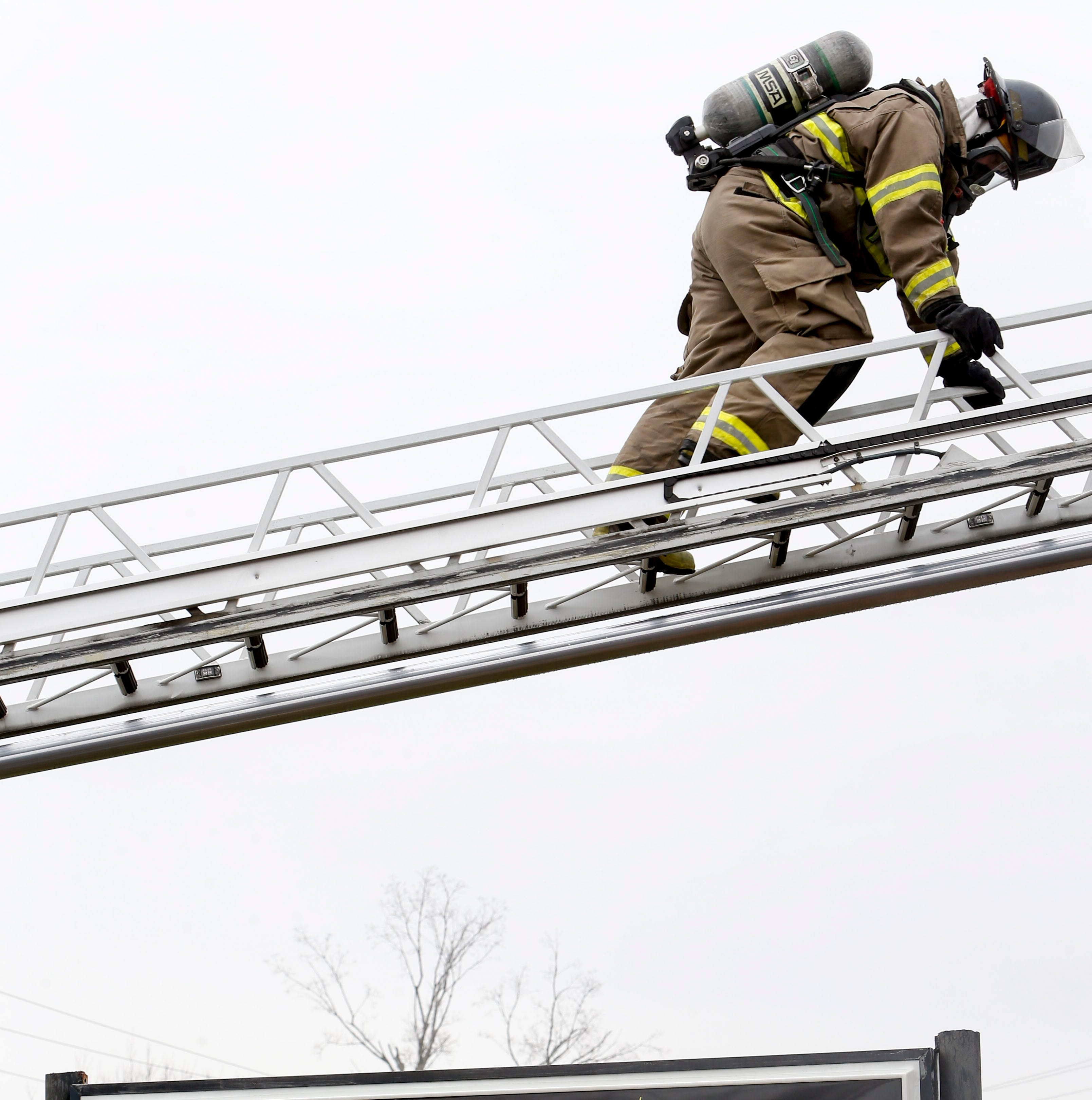 Fire breaks out at indoor shooting range in Clarksville