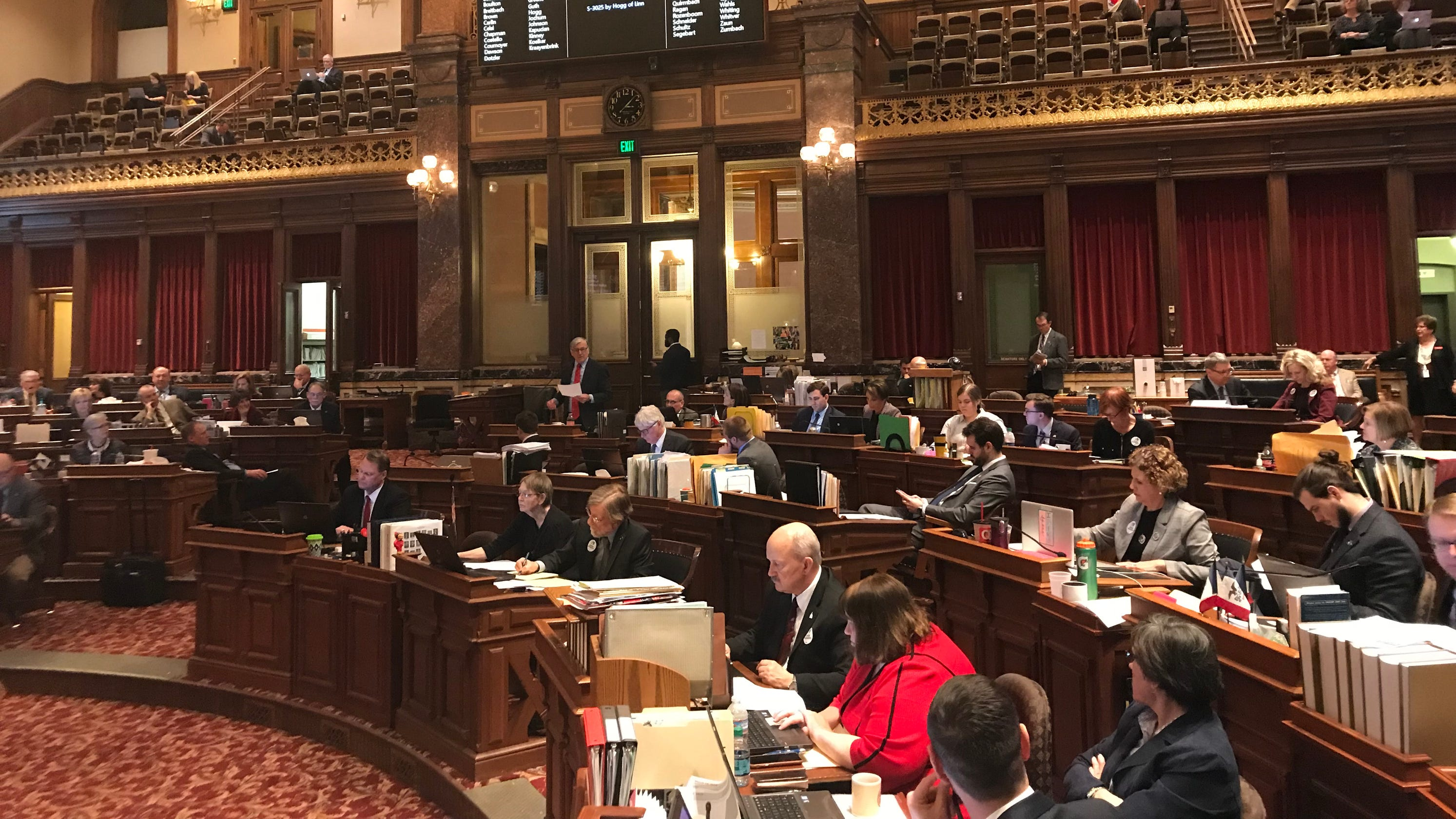 Iowa Senate Votes To Give Politicians More Power Over