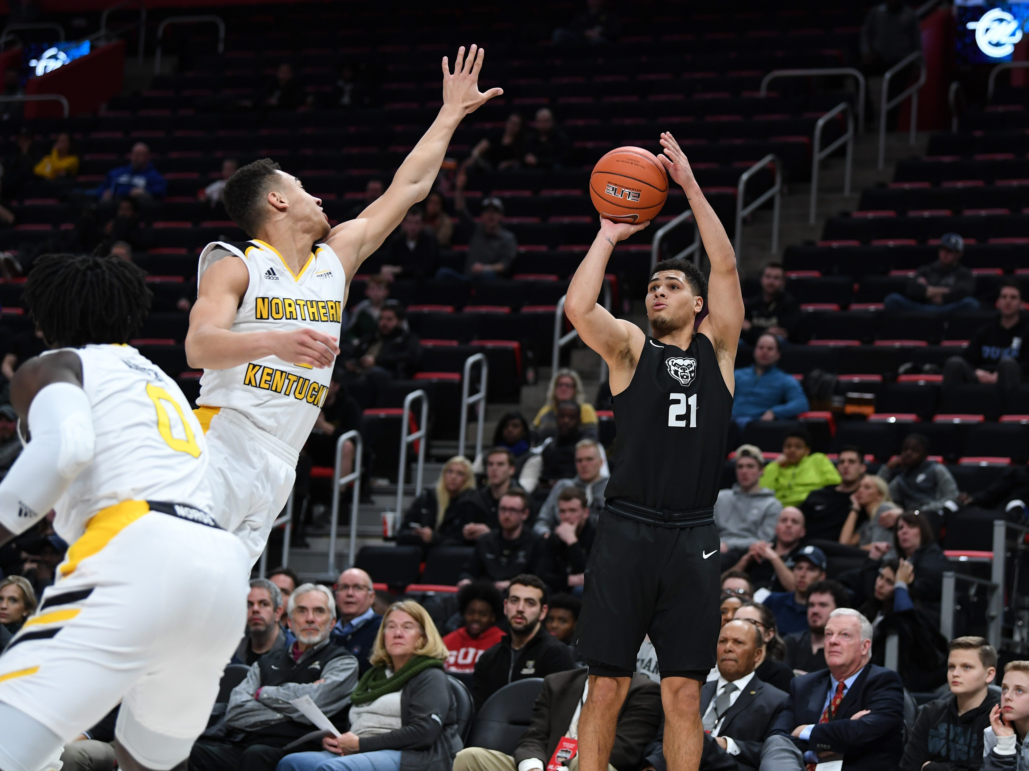 Oakland Golden Grizzlies guard Jaevin Cumberland shoots against the Northern Kentucky Norse during the first half of their Horizon League semifinal game at Little Caesars Arena in Detroit, Monday, Mar. 11, 2019.