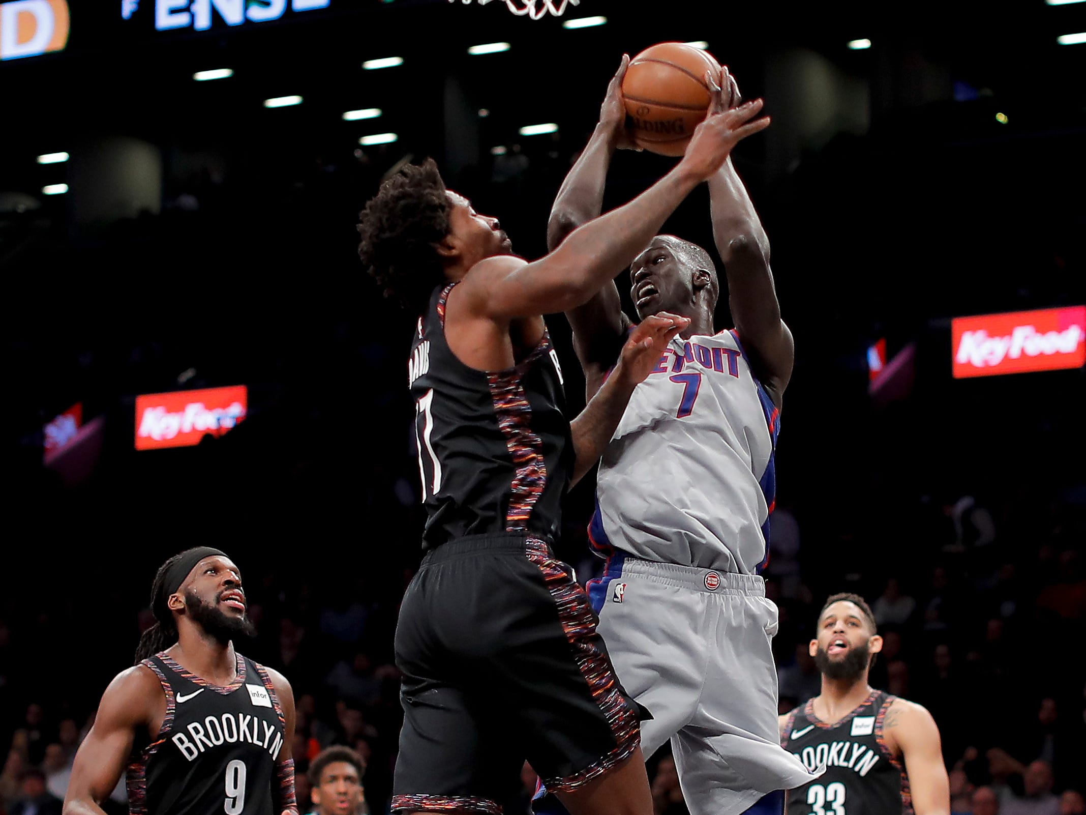 Detroit Pistons forward Thon Maker (7) looks to pass against Brooklyn Nets forward Ed Davis (17) during the second quarter.
