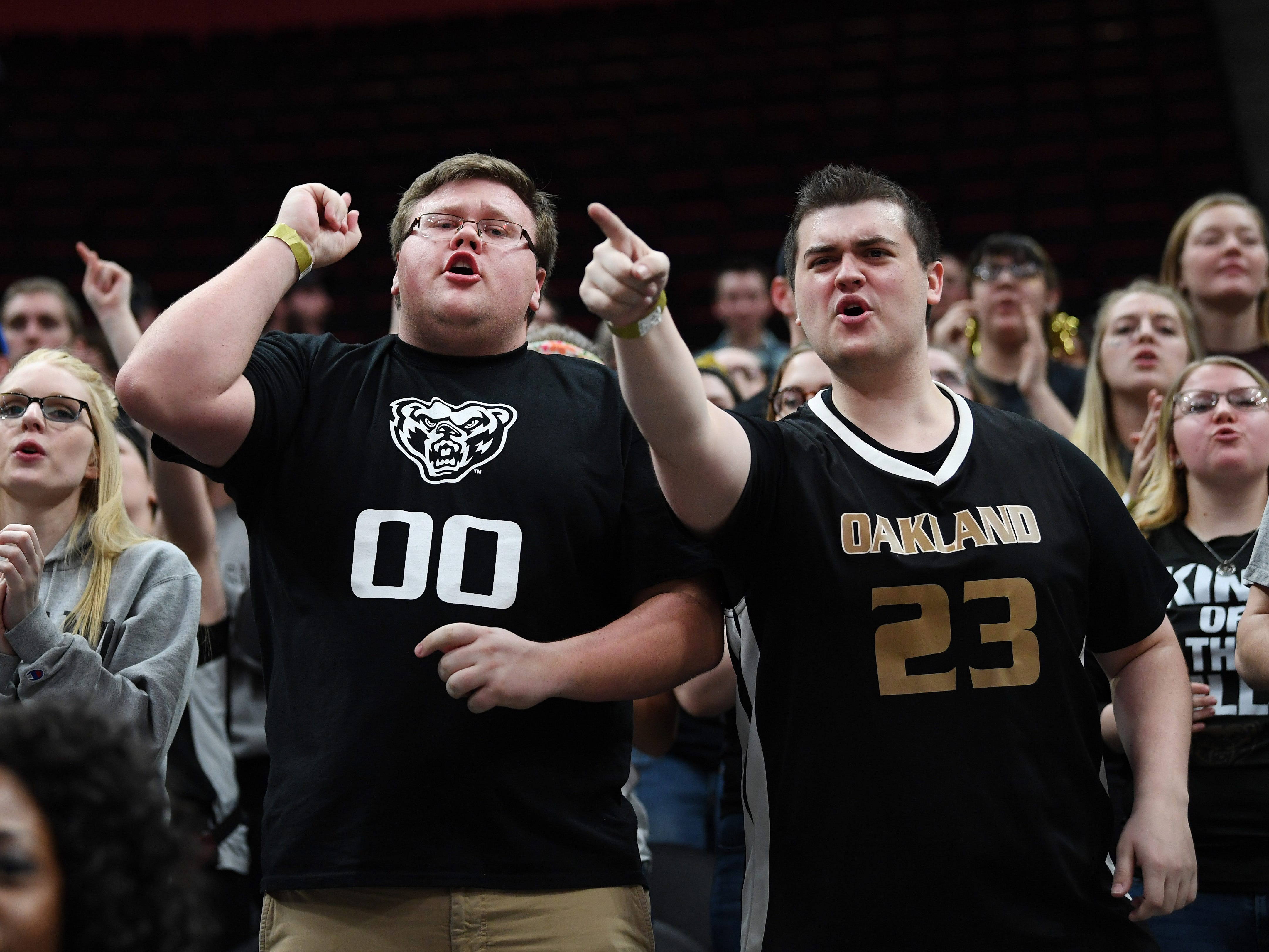 Oakland Golden Grizzlies fans cheer on their team as they played against the Northern Kentucky Norse during the first half.