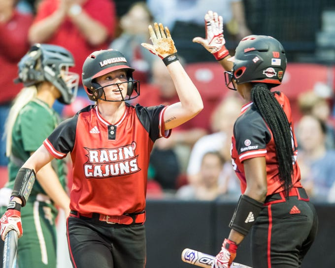 The UL Ragin Lady Cajuns defeat the Baylor Bear by a final score of 4-1 on Monday night at Lamson Park.
