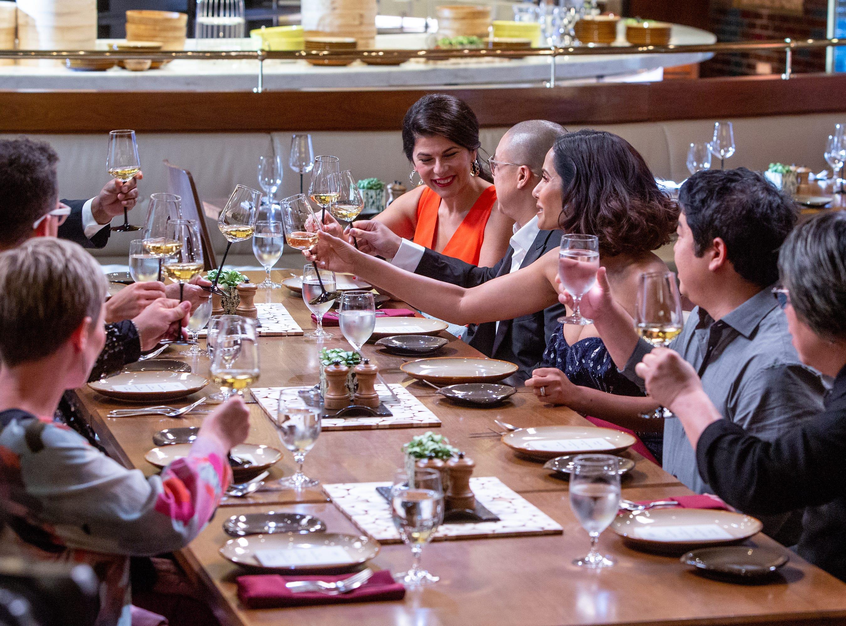 (Left to right) Nilou Motamed, Dan Hong, Padma Lakshmi, Mitsuharu Tsumura and Alvin Leung dine in episode 15 of 'Top Chef' Kentucky.