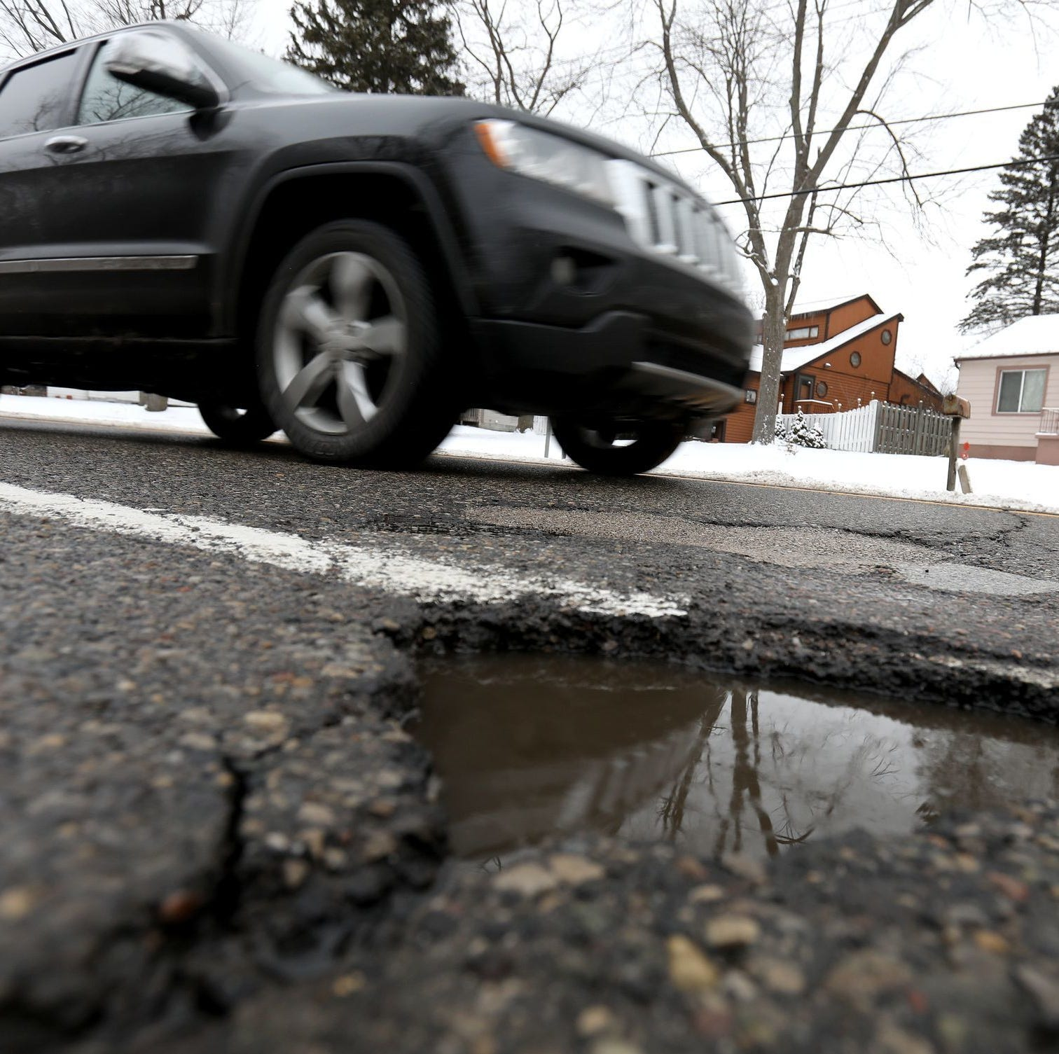 Report: Lansing road conditions worse than state average