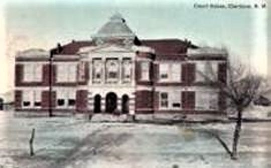 The county courthouse in Carrizozo was built in 1913.
