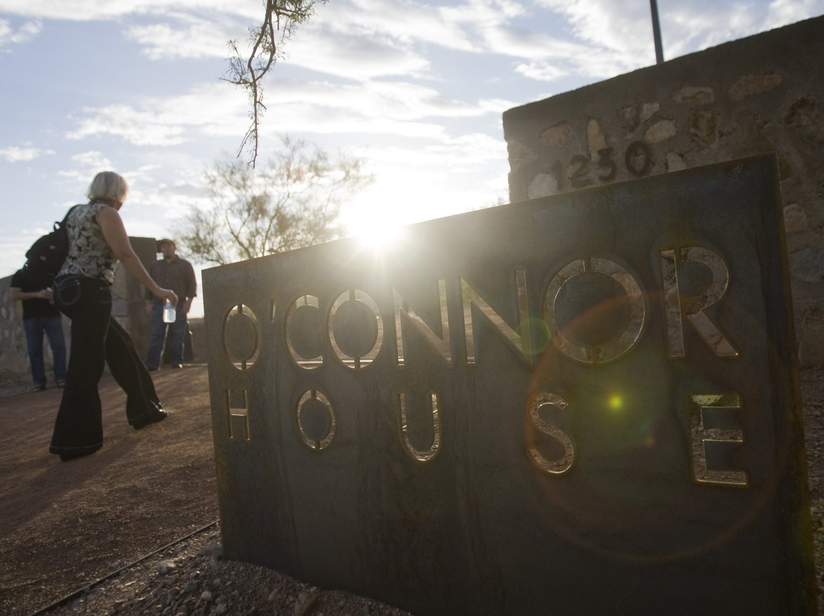 Guests admire Sandra Day O'Connor's former house at Papago Park on Oct. 18, 2009.