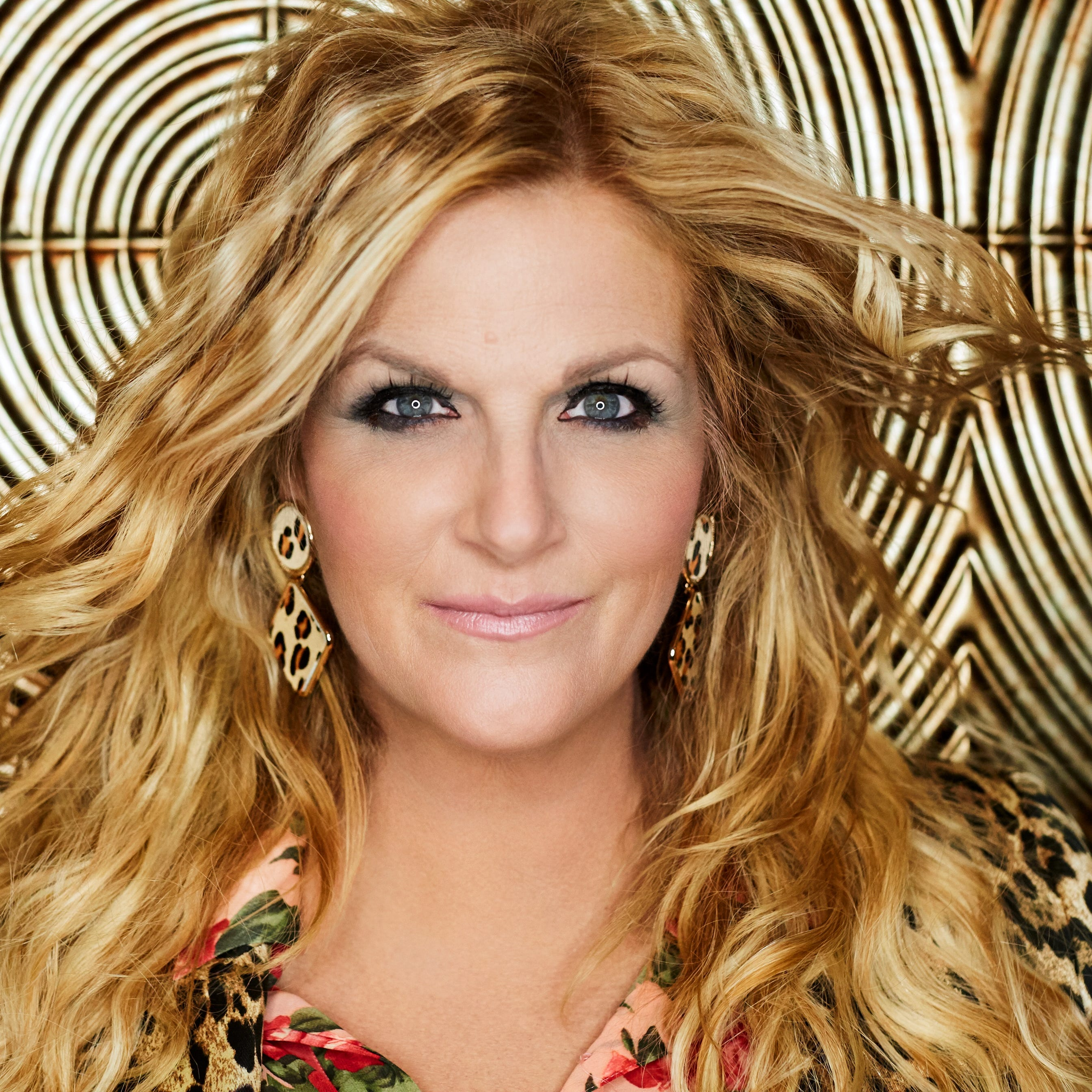 Trisha Yearwood's tailgate party: 'Garth's in the stadium and I'm in the parking lot'