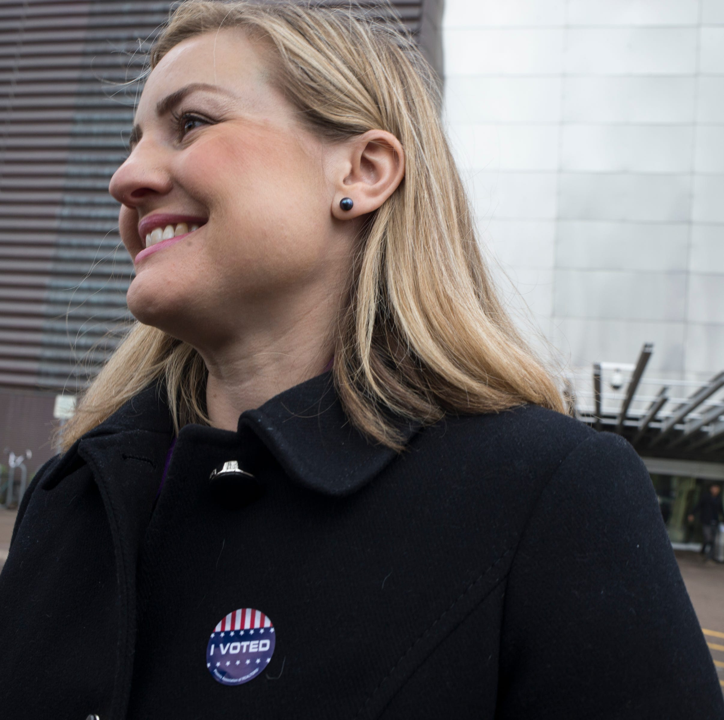 Phoenix mayoral election results: Kate Gallego leads in early returns