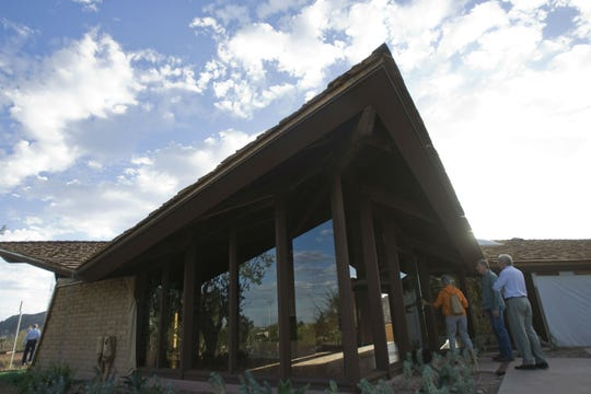 Guests enter retired Supreme Court Justice Sandra Day O'Connor's house at Papago Park in Tempe on Oct. 18, 2009.