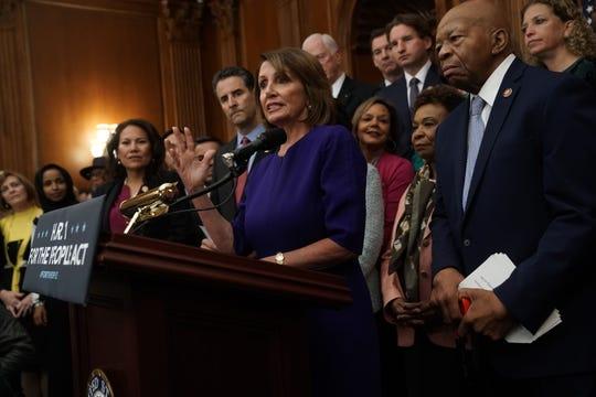 Demócratas llevan a cabo una conferencia de prensa.