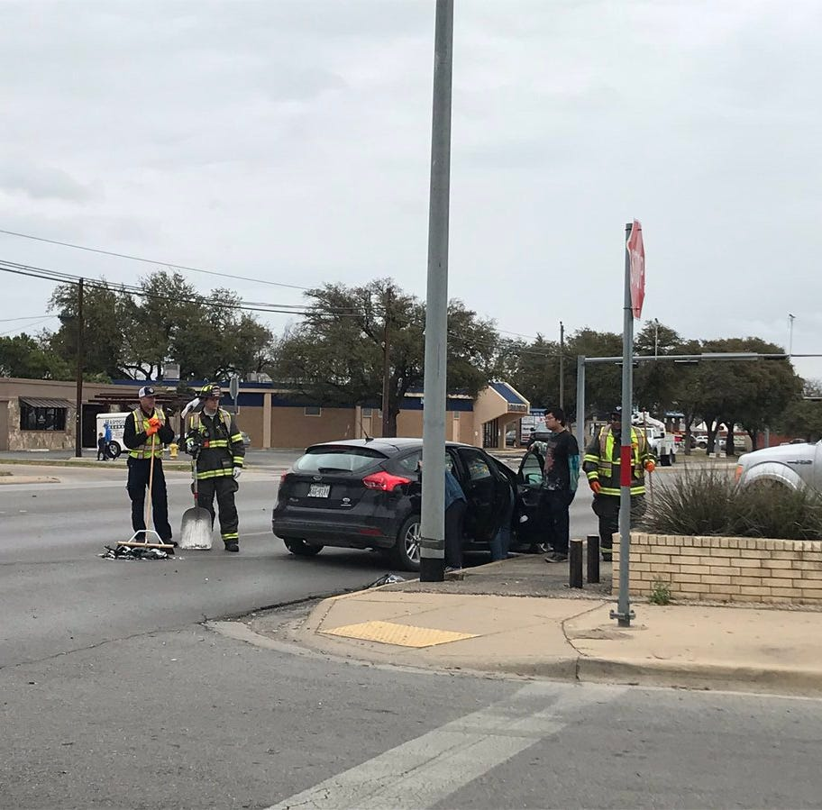 One sent to hospital after two-car wreck in San Angelo, no citations given