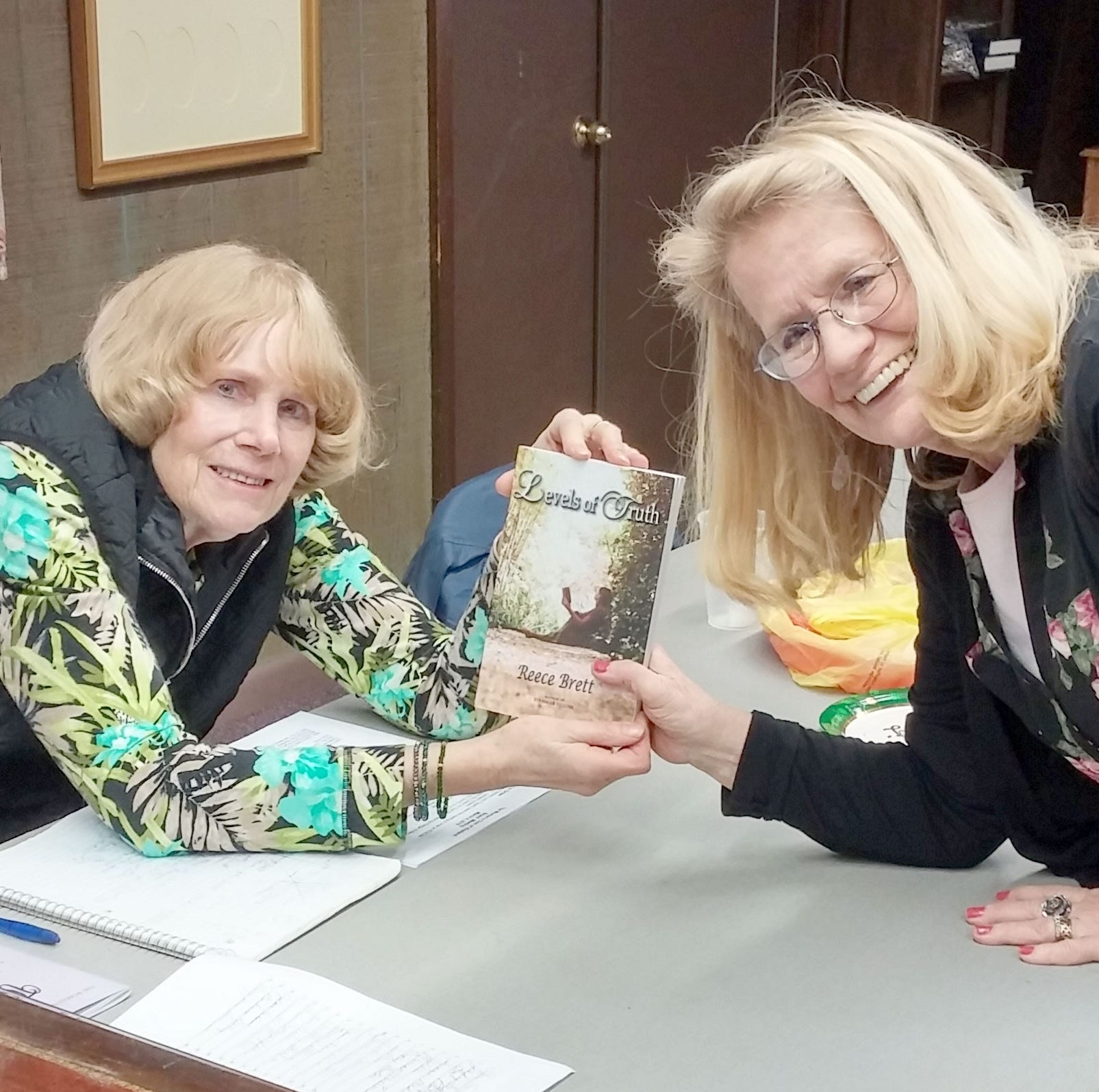 Author speaks at Woman's Club of Vineland meeting