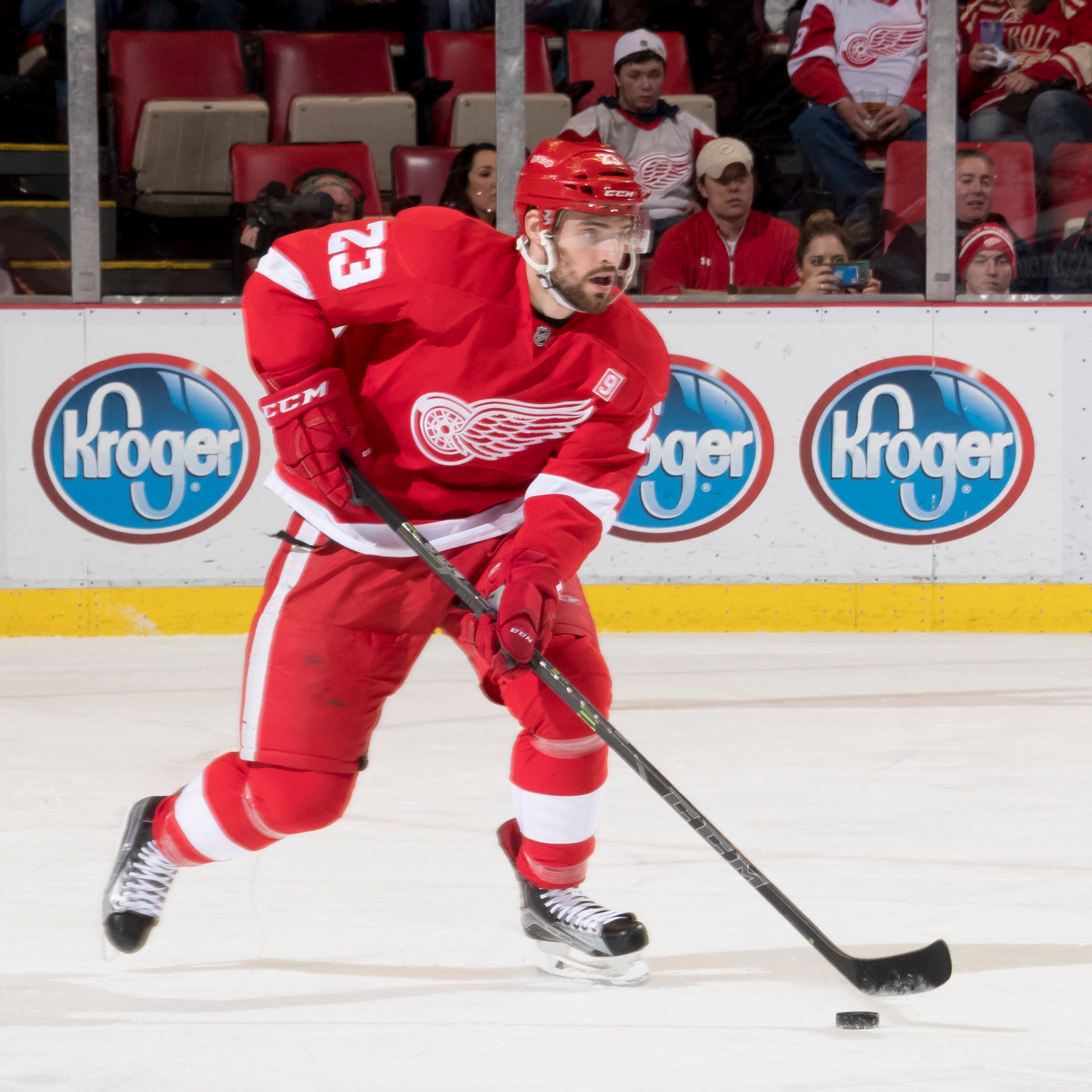 Red Wings keep Brian Lashoff in organization with two-year contract extension