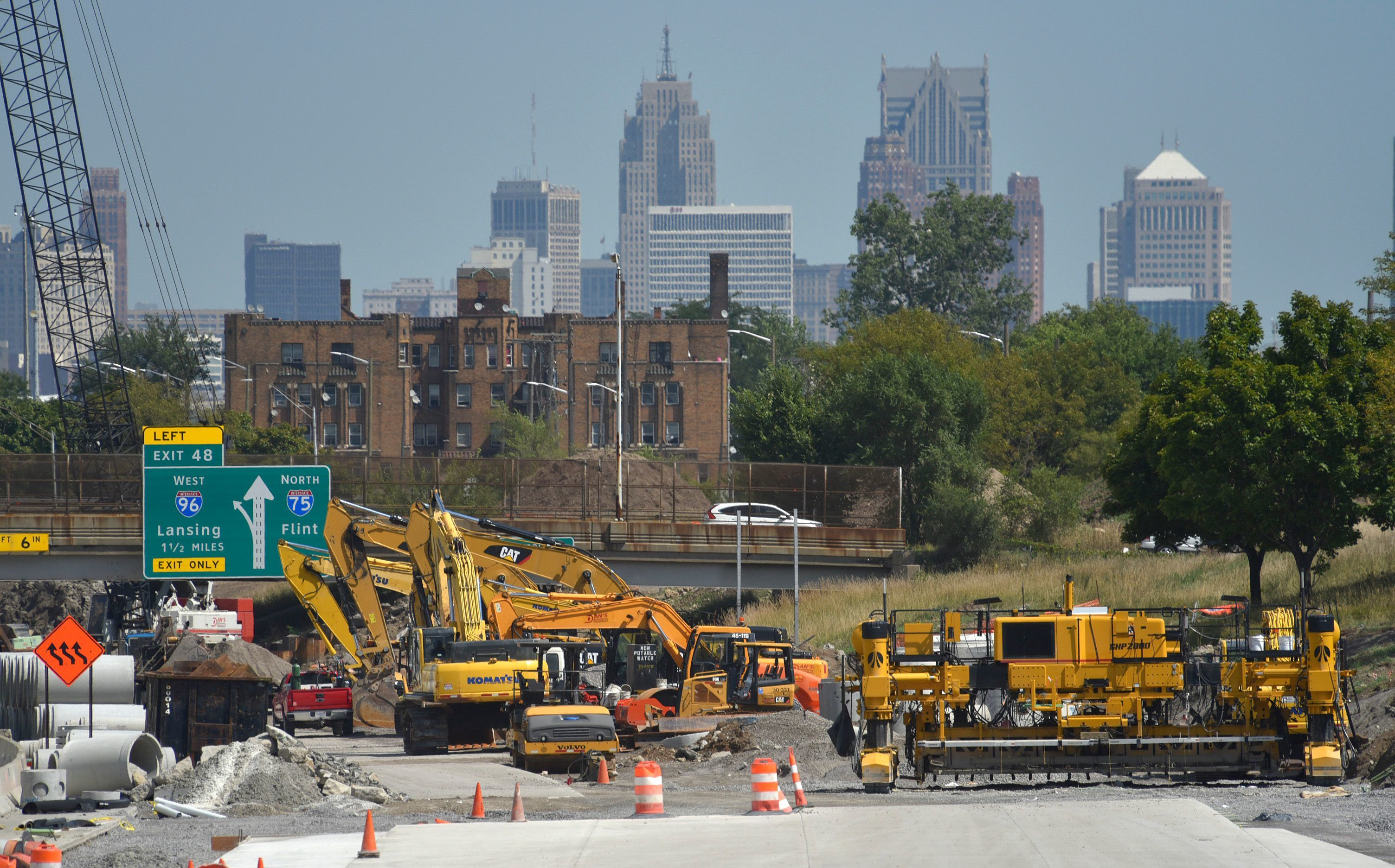Road construction equipment sets idle on Northbound I-75 at Exit 46 as traffic crosses the Livernois bridge over the interstate, Tuesday afternoon, September 4, 2018, after a contractors association made good on its word to lock out unionized road builders because of stalled labor negotiations.